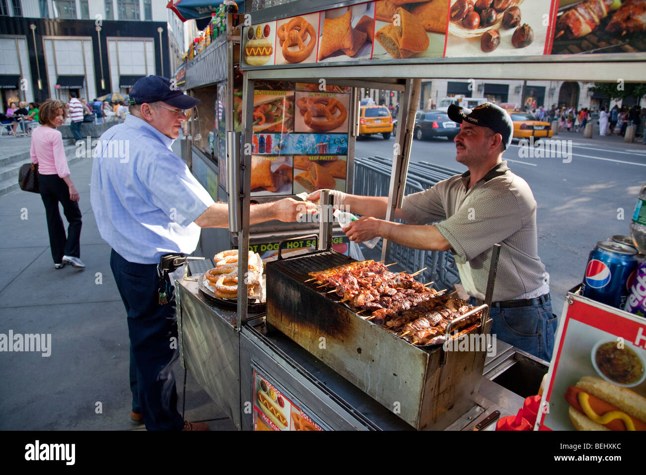 Street food vendor in manhattan in new york city stock for American cuisine in nyc