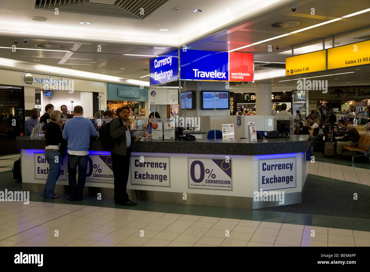 bureau de change office operated by travelex at gatwick airport south stock photo 26259927 alamy. Black Bedroom Furniture Sets. Home Design Ideas