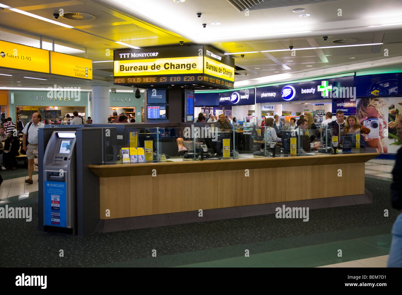 bureau de change office operated by ttt moneycorp at gatwick airport stock photo 26260445 alamy. Black Bedroom Furniture Sets. Home Design Ideas