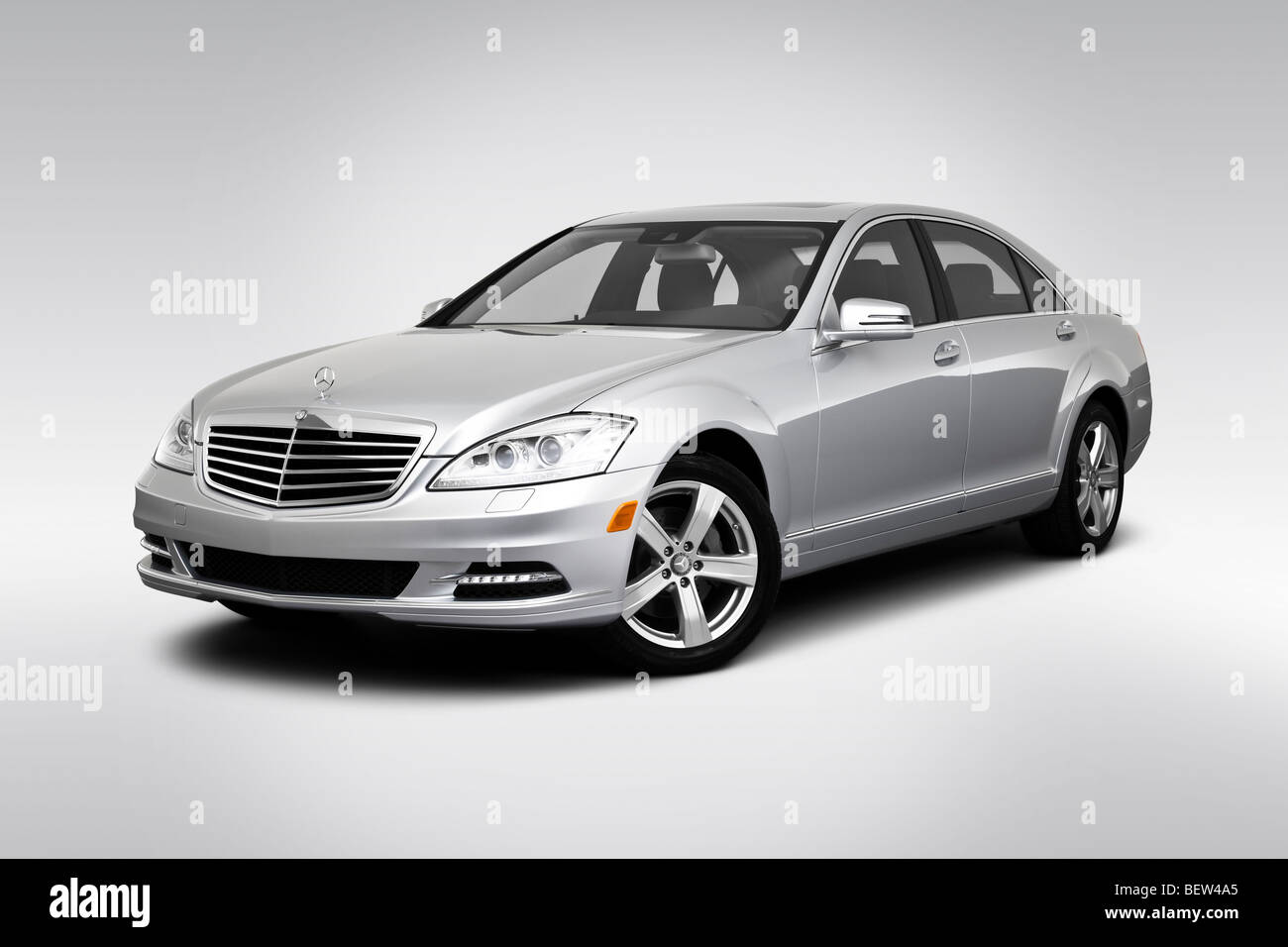 2010 mercedes benz s class s550 in silver front angle for Mercedes benz stock