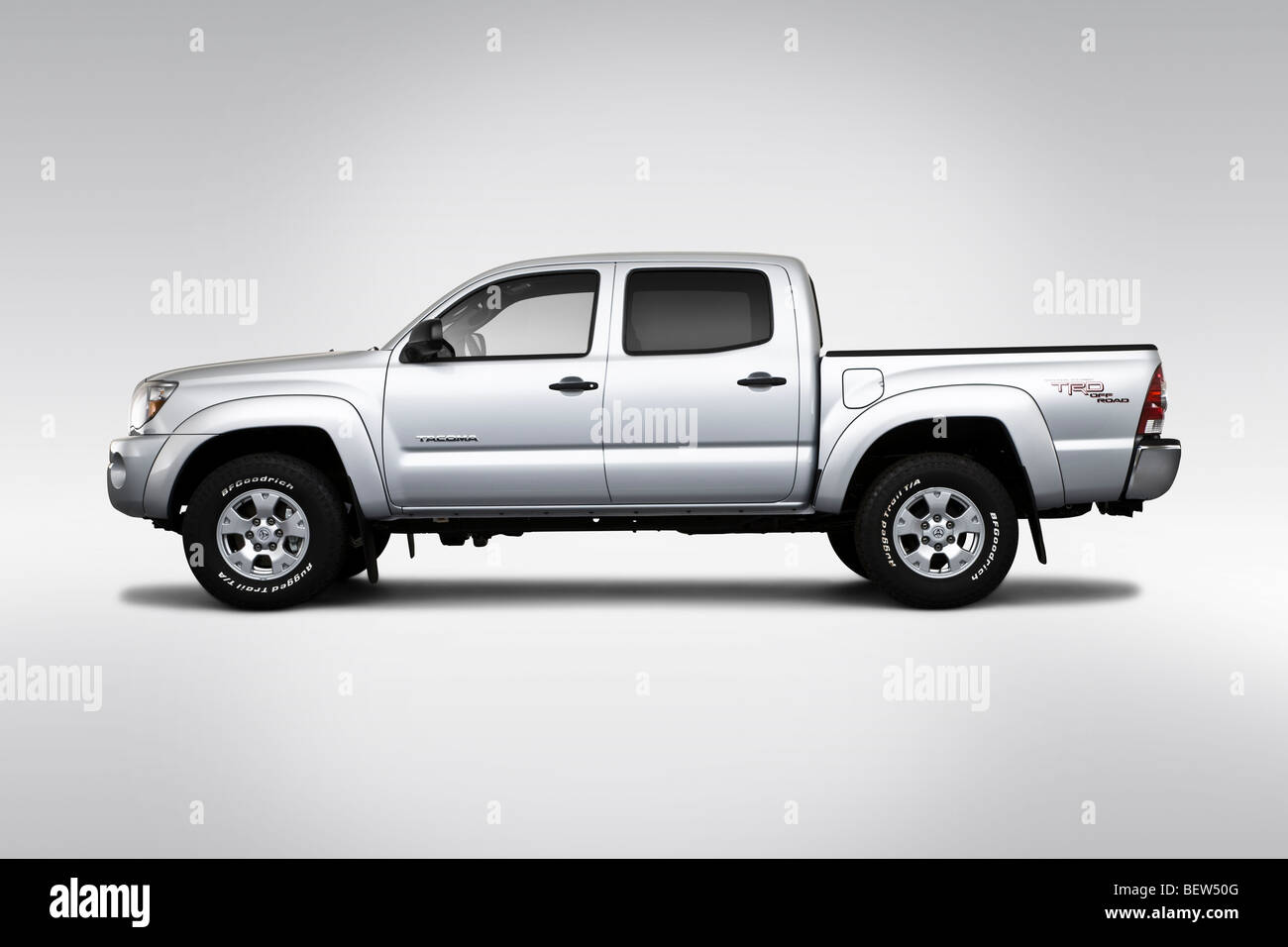 2010 toyota tacoma v6 in silver drivers side profile
