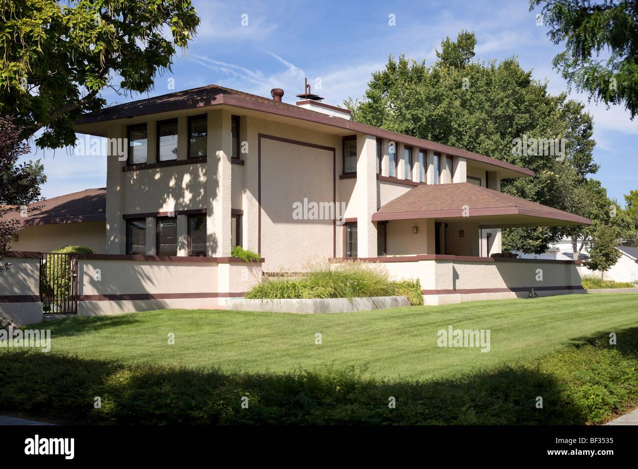 Frank Lloyd Wright Prairie Style frank lloyd wright house stock photos & frank lloyd wright house