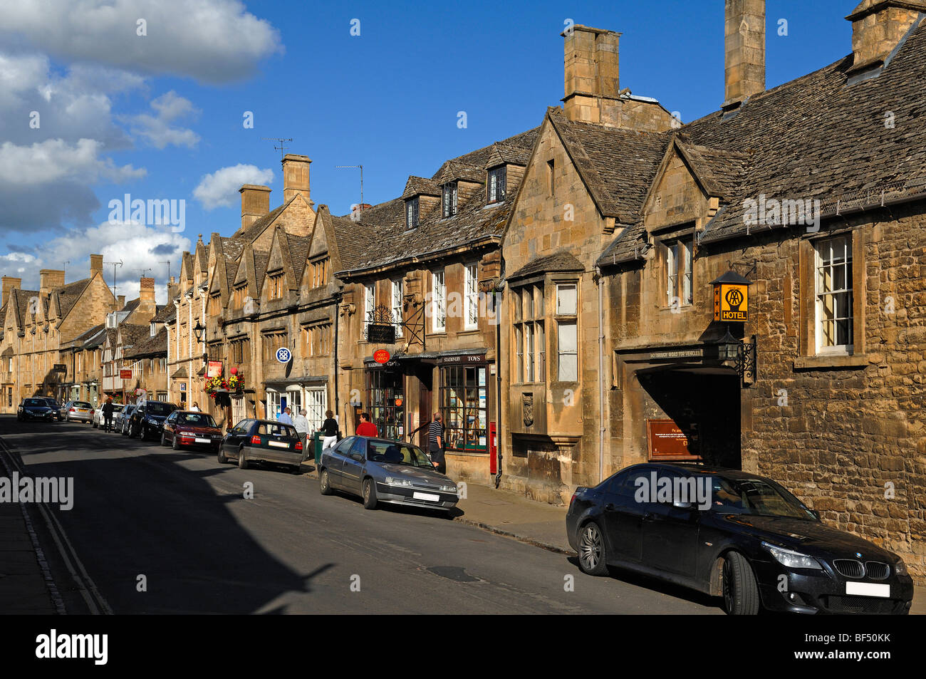 Typical Houses For The Cotswolds High Street 1700