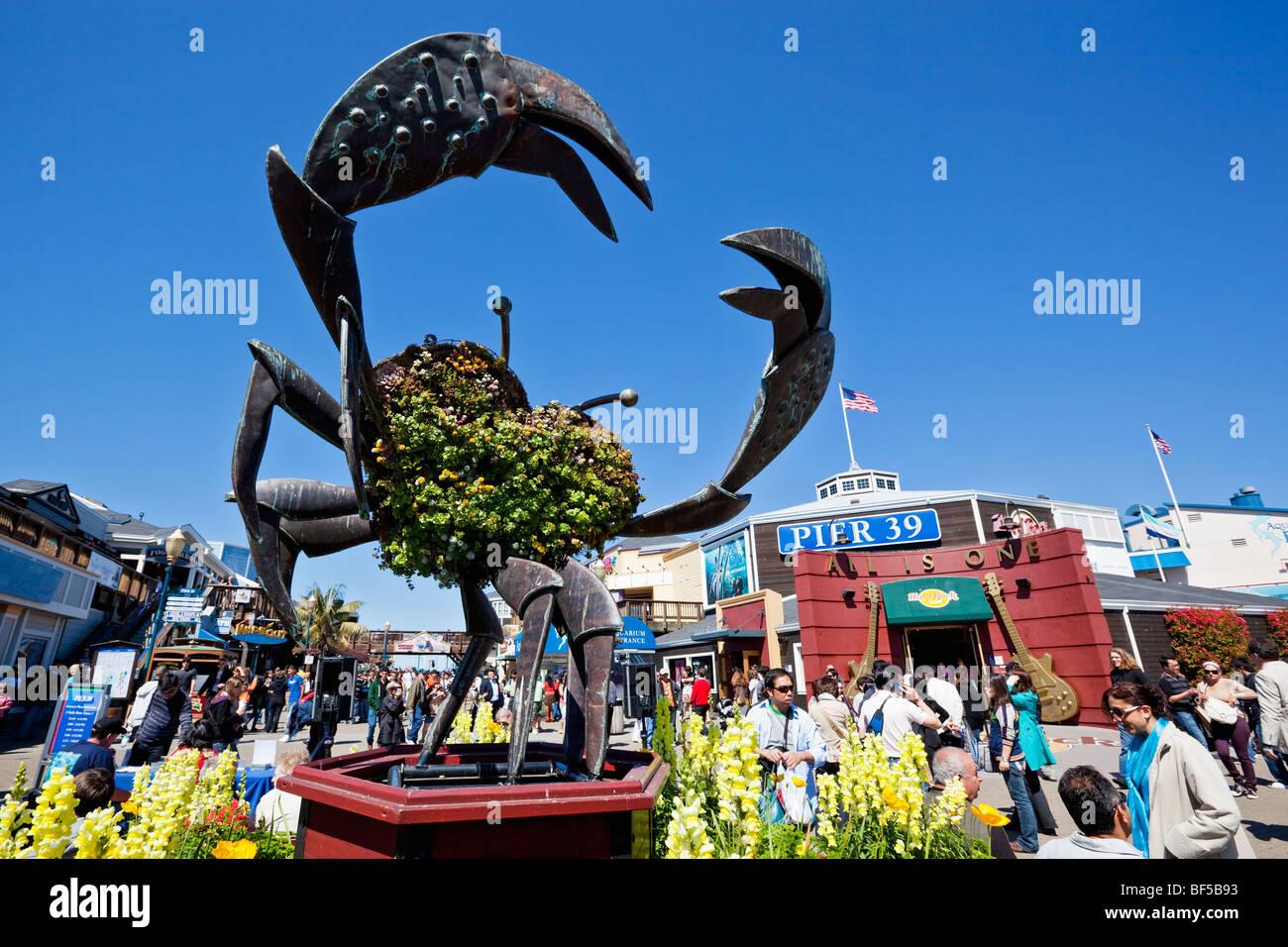 Metal Crab at Pier 39, San Francisco, California, USA, America ...