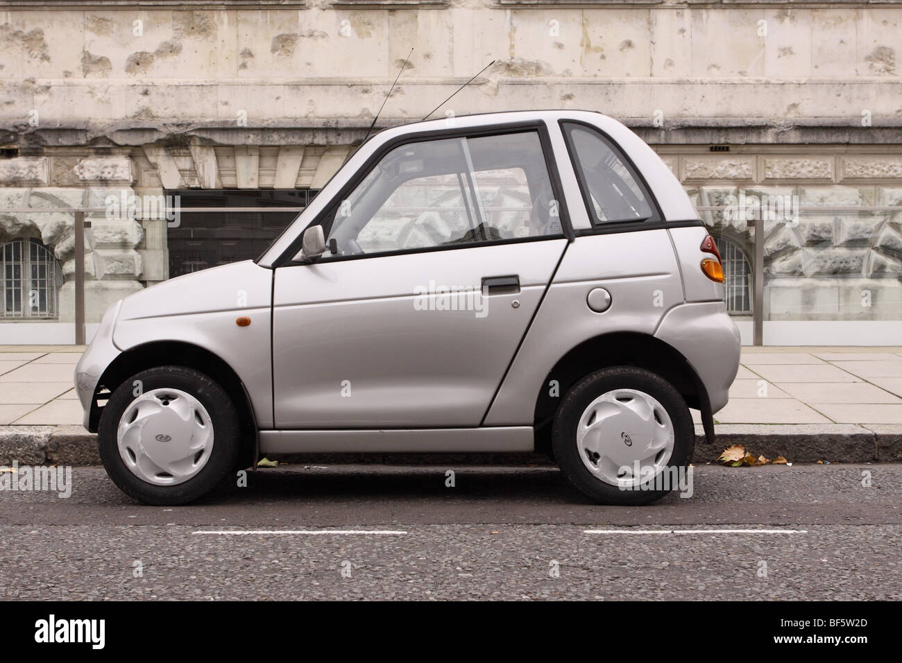 G Wiz G Whiz Electric Car Parked In Westminster London Stock Photo