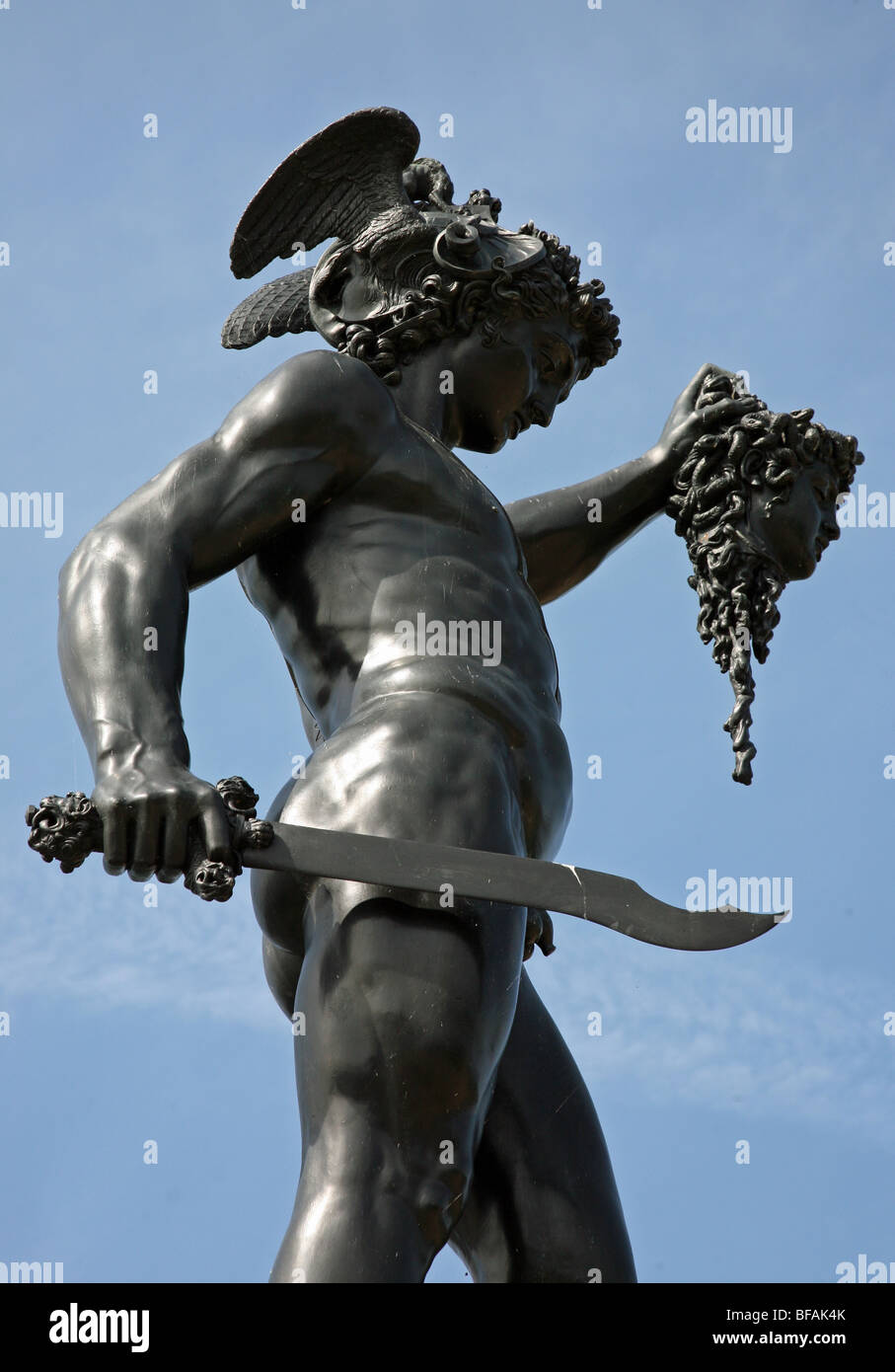 statue of perseus with the head of medussa sculpture at