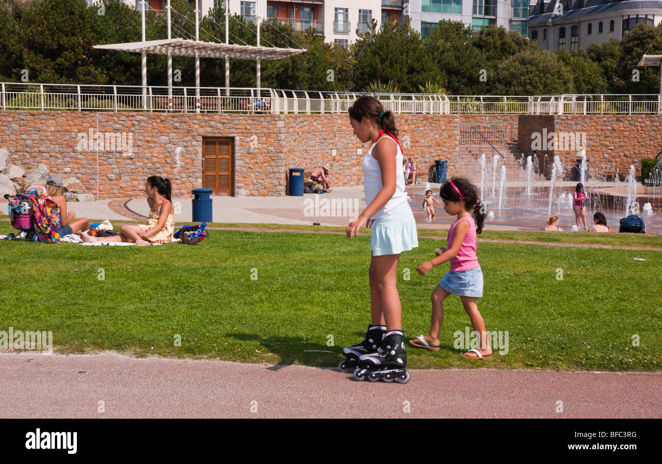Roller skates one line - Jersey Saint Helier Girls With One On In Line Roller Skate Boots