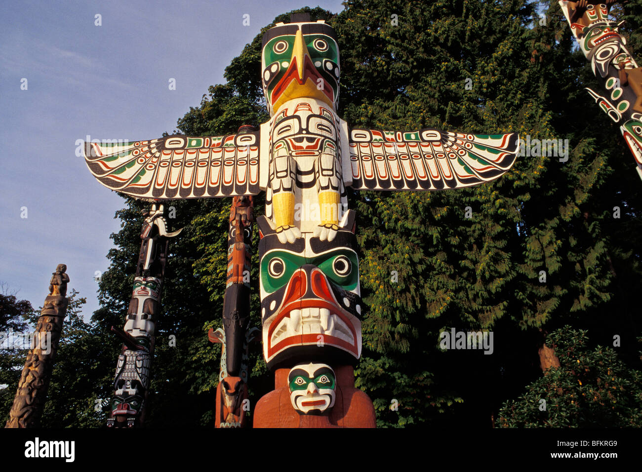 Thunderbird House Post, Traditional First Nations Cedar House Support Post,  Stanley Park, Vancouver, BC, Canada