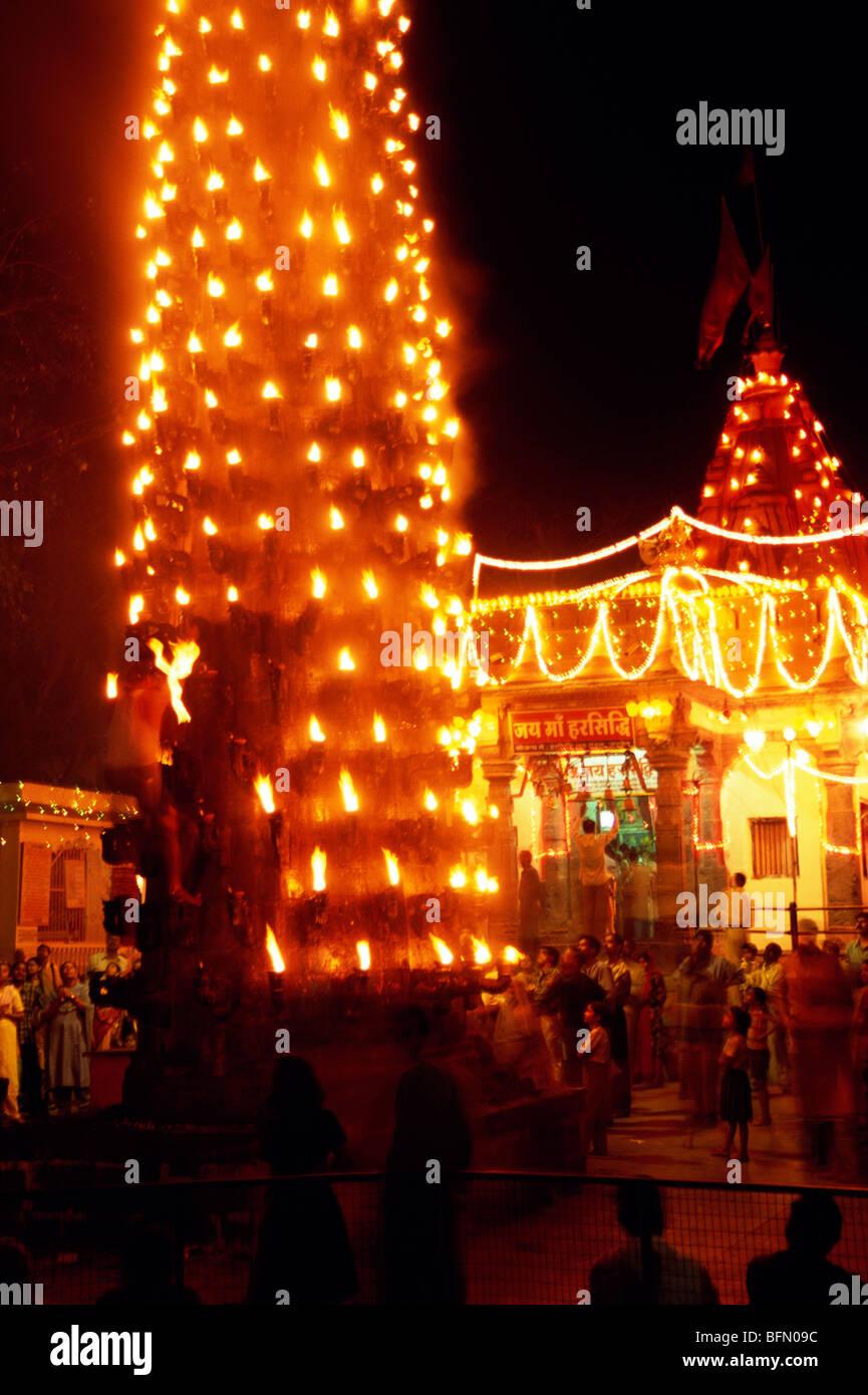 Night lamps india - Deep Stambh Oil Lamps Pillar Ujjain Madhya Pradesh India
