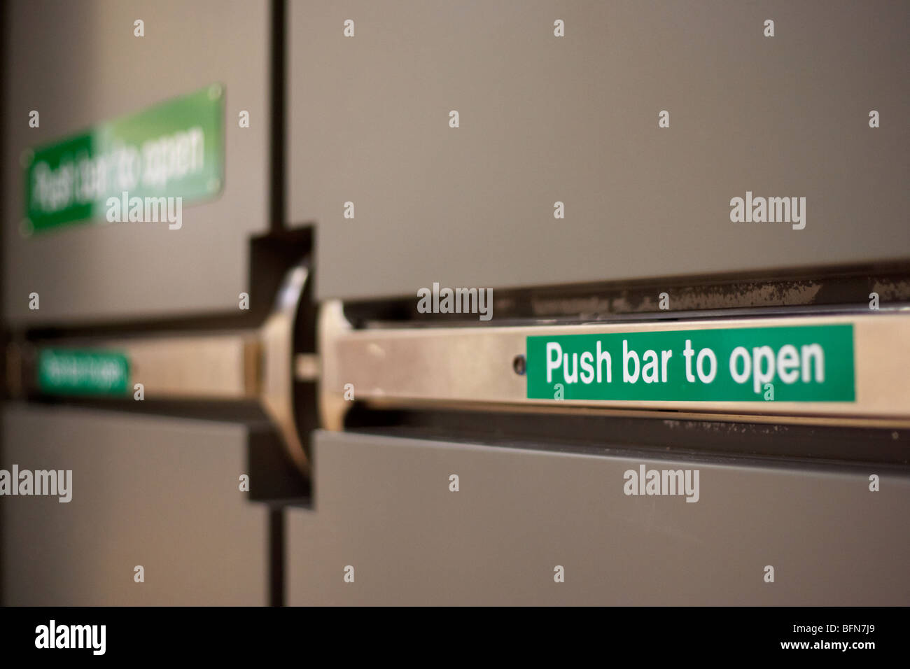 push doors screen door push bar latch prime line. Black Bedroom Furniture Sets. Home Design Ideas