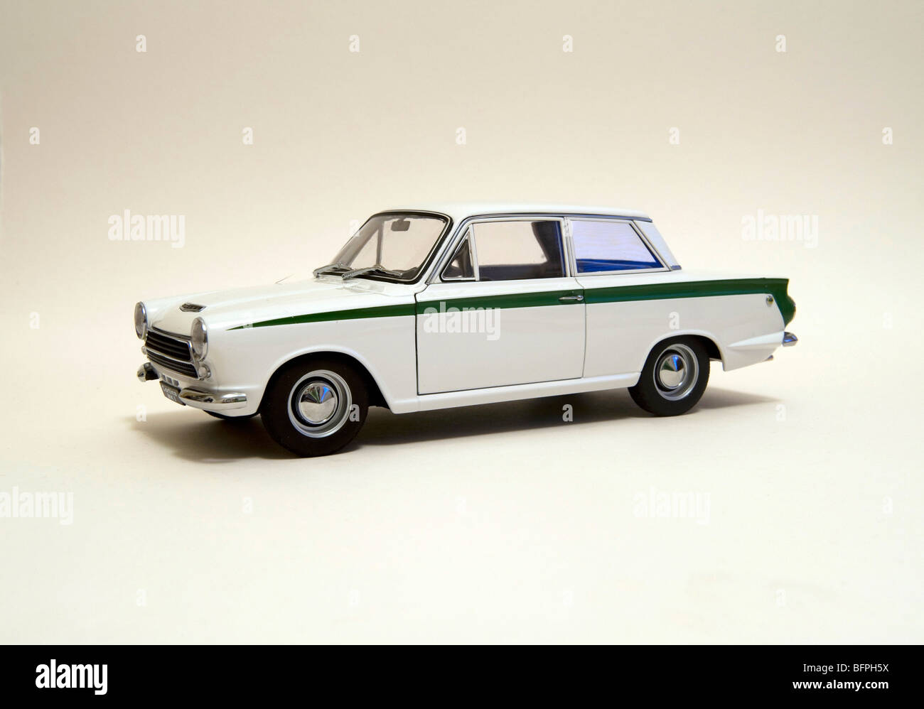 LOTUS FORD CORTINA MK1 WHITE/GREEN MODEL CAR Stock Photo, Royalty Free ...