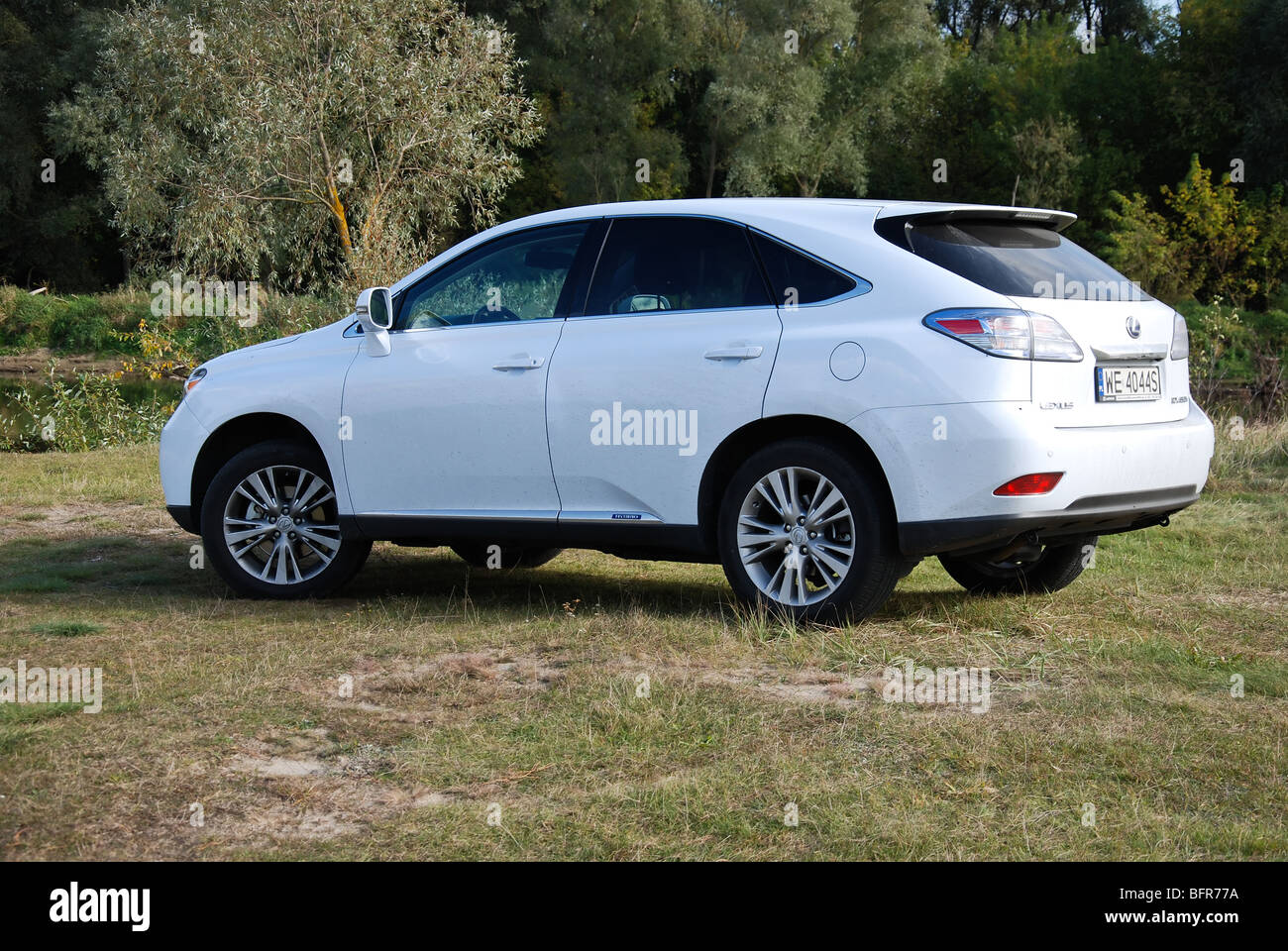 lexus rx 450h hybrid suv 2009 white five doors 5d stock photo royalty free image. Black Bedroom Furniture Sets. Home Design Ideas