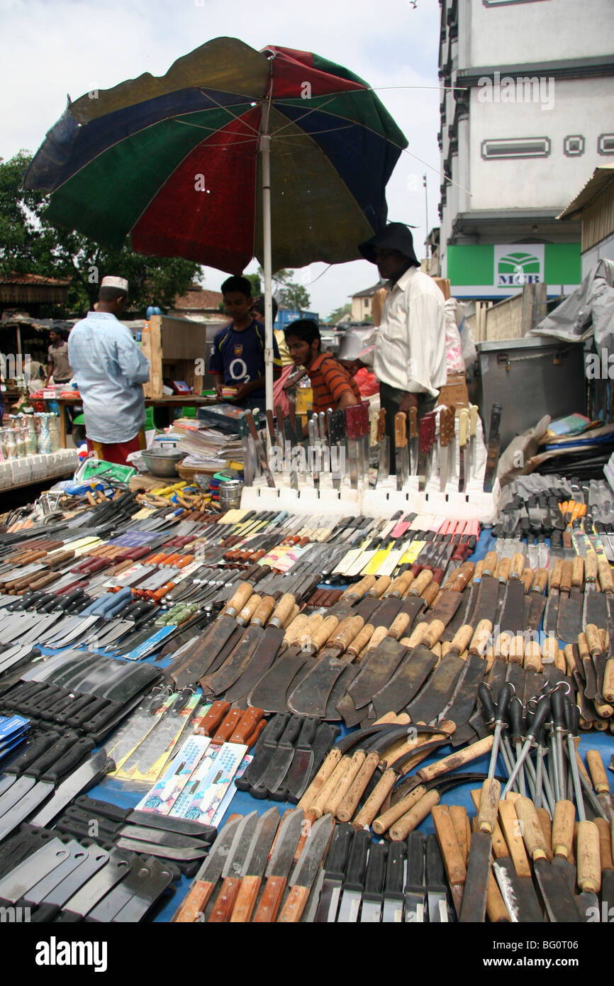 Knives are sold at the pettah market in colombo sri lanka for Pettah market colombo
