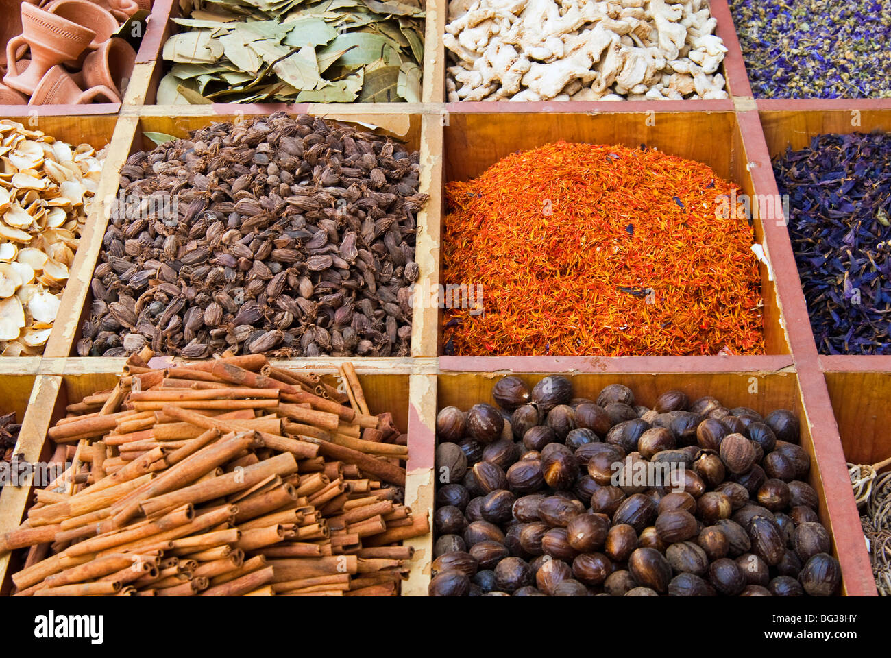Spice Market Middle East Stock Images - Download 2,084 ...   Middle East Spice Market