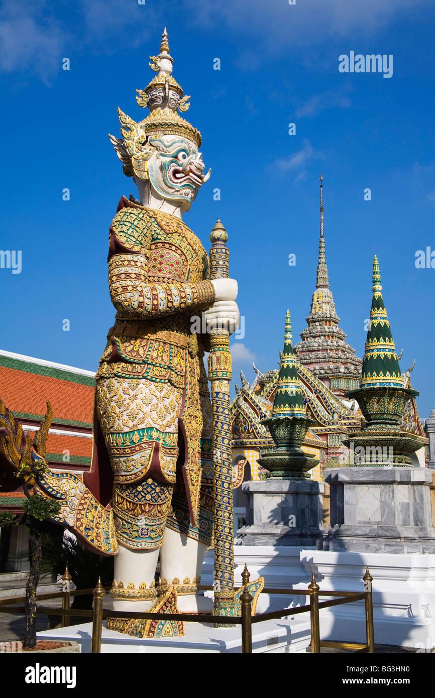 Sahassadeja statue at Royal Grand Palace, Rattanakosin ...
