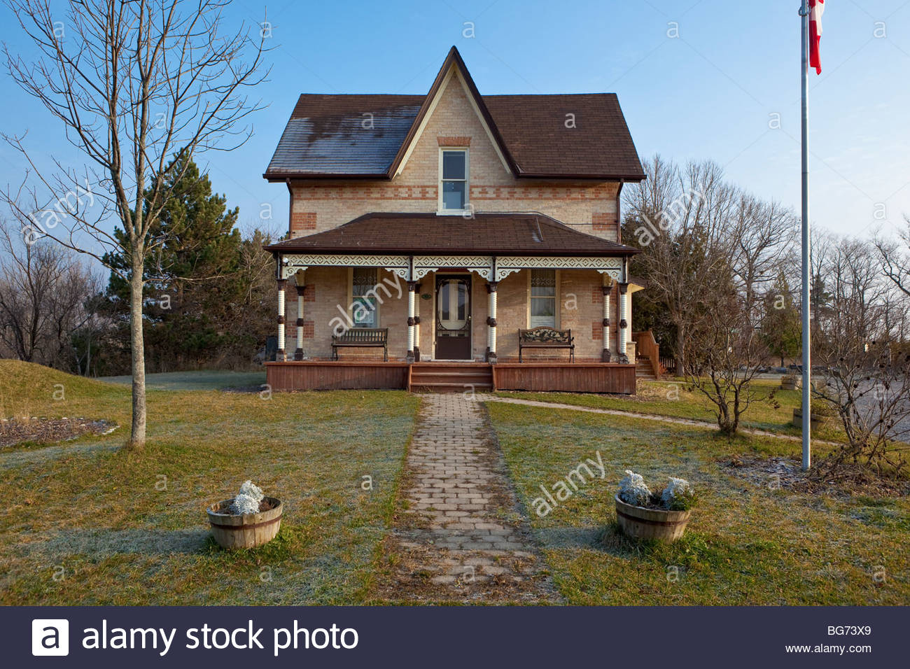 Historic pearse house a classic ontario farmhouse now the for Old house classics