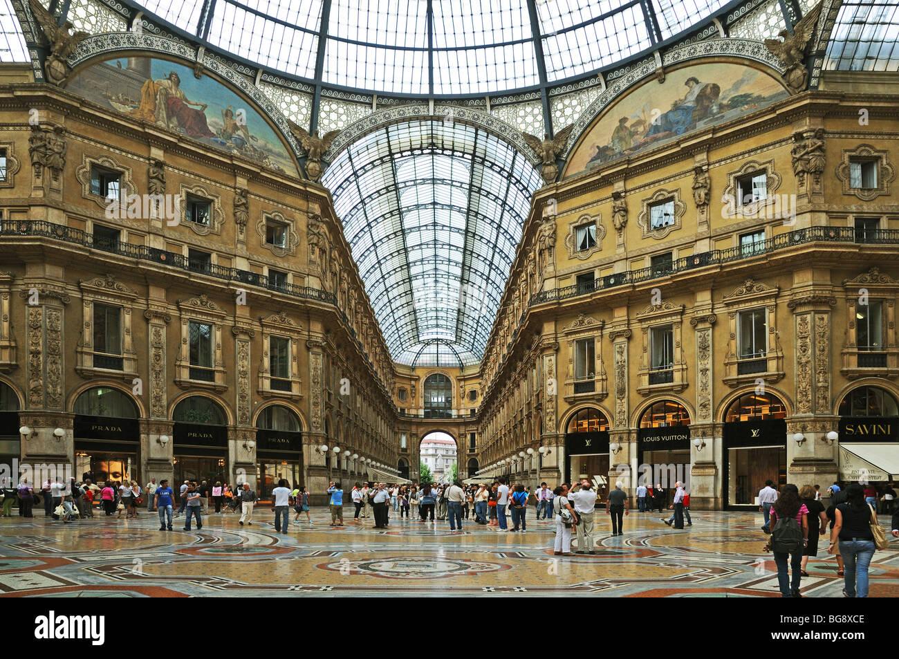 vittorio emanuele gallery la galleria milan milano italy