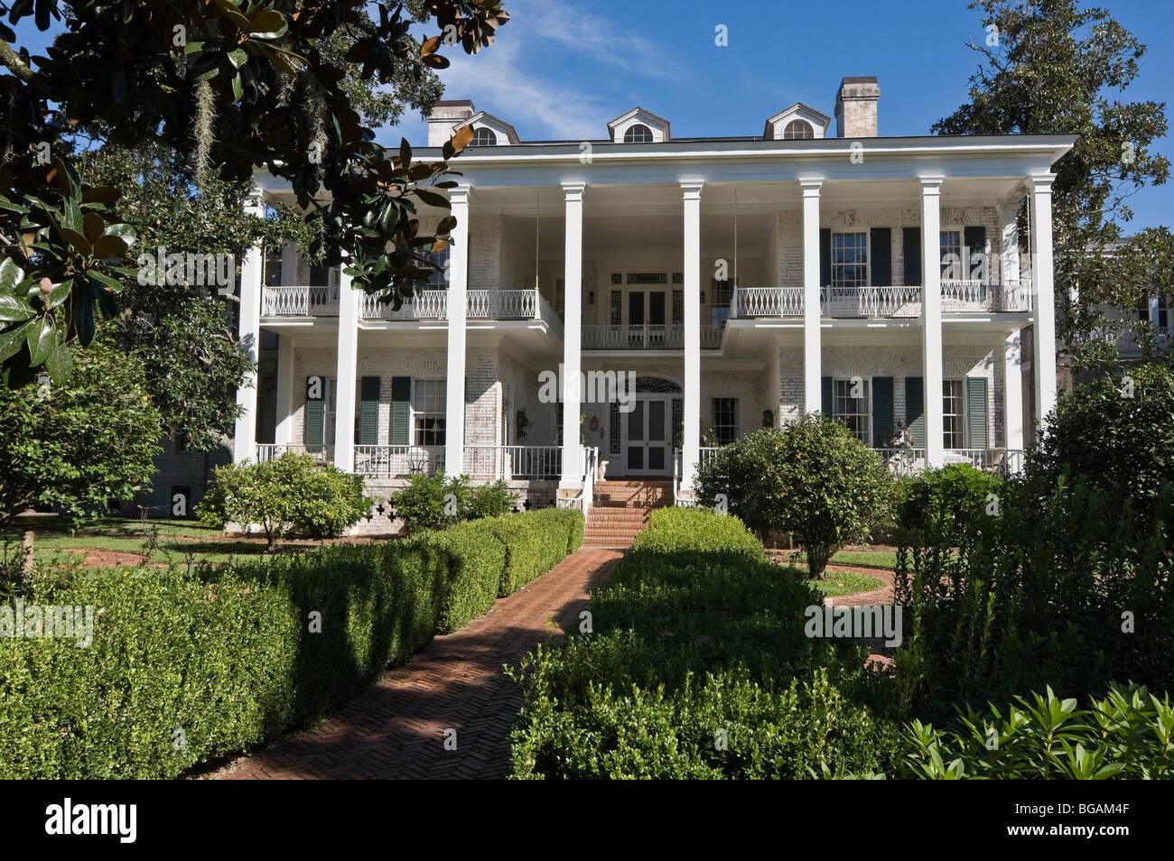 Pebble hill plantation house georgia usa stock photo for Plantation house