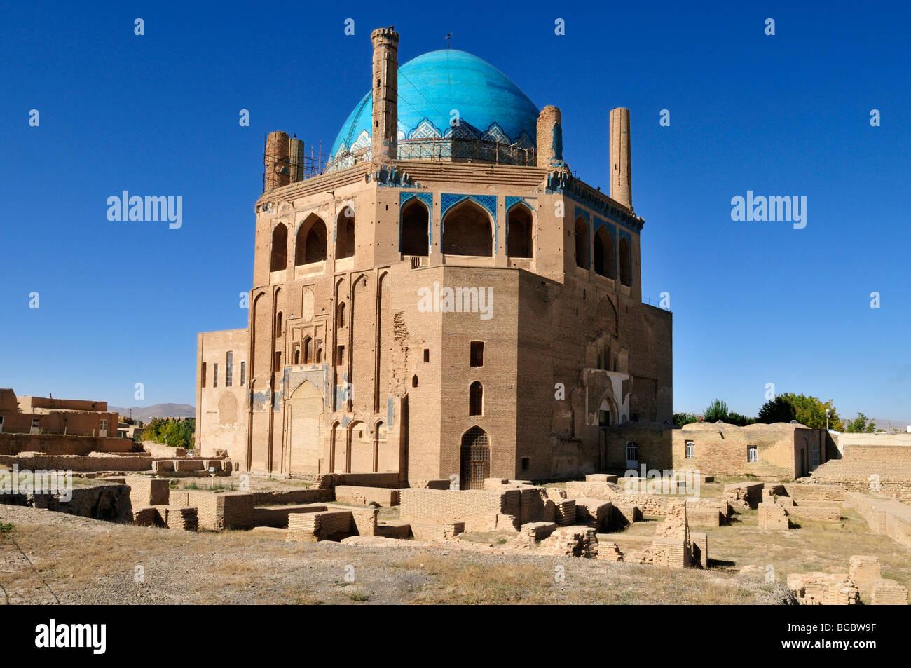 Historic Mausoleum of Oljaytu Soltaniyeh UNESCO World Heritage Stock Photo
