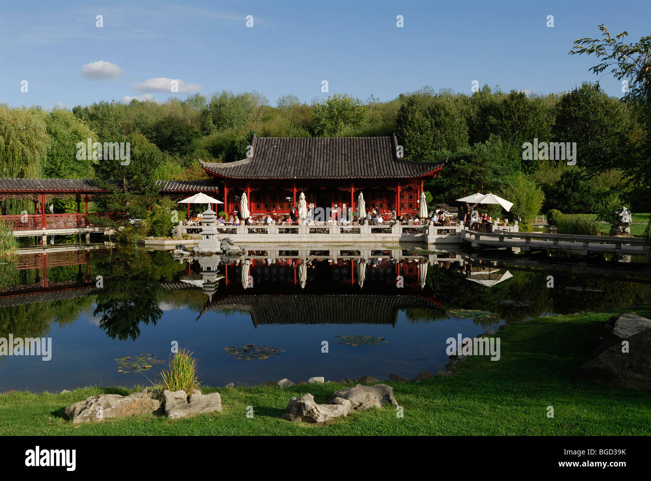 berlin germany chinese pavilion and tea room at the gardens of the stockfoto lizenzfreies. Black Bedroom Furniture Sets. Home Design Ideas