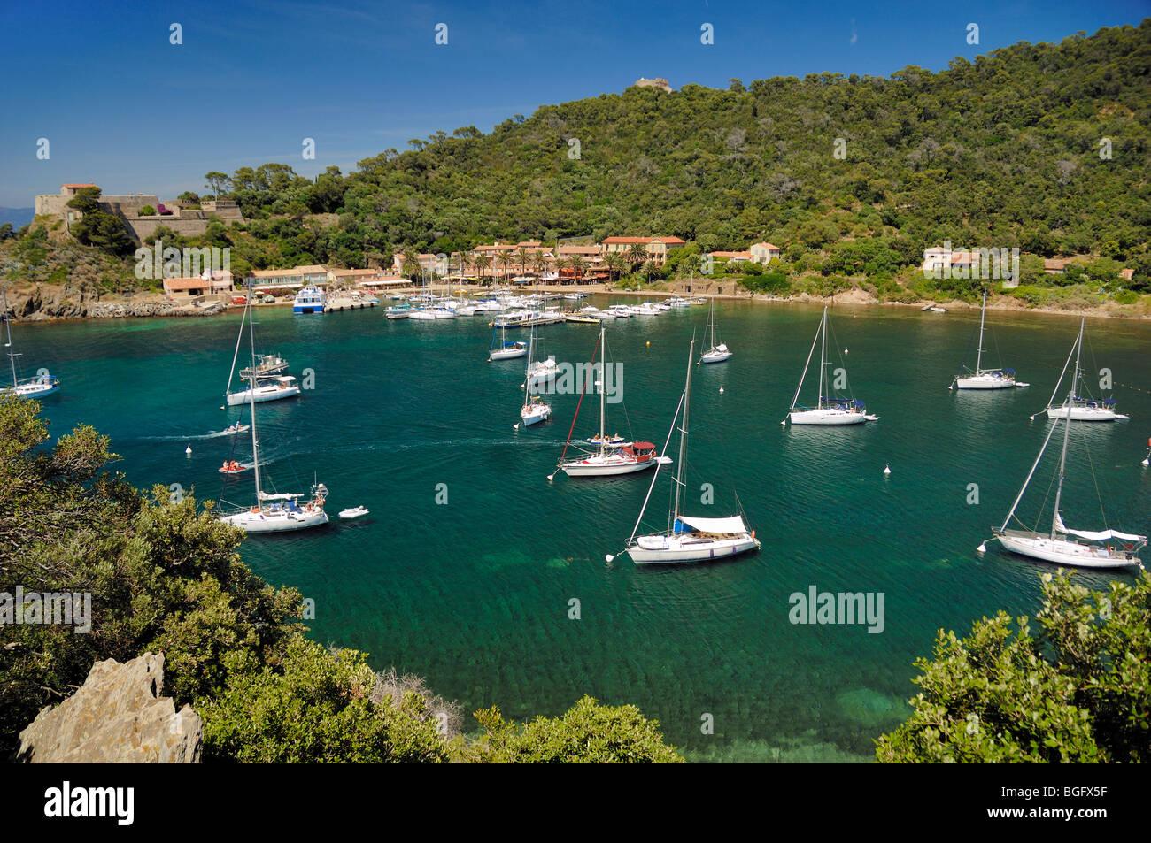 Bay Moored Yachts Port Cros National Park Village Port Harbour - Location port cros