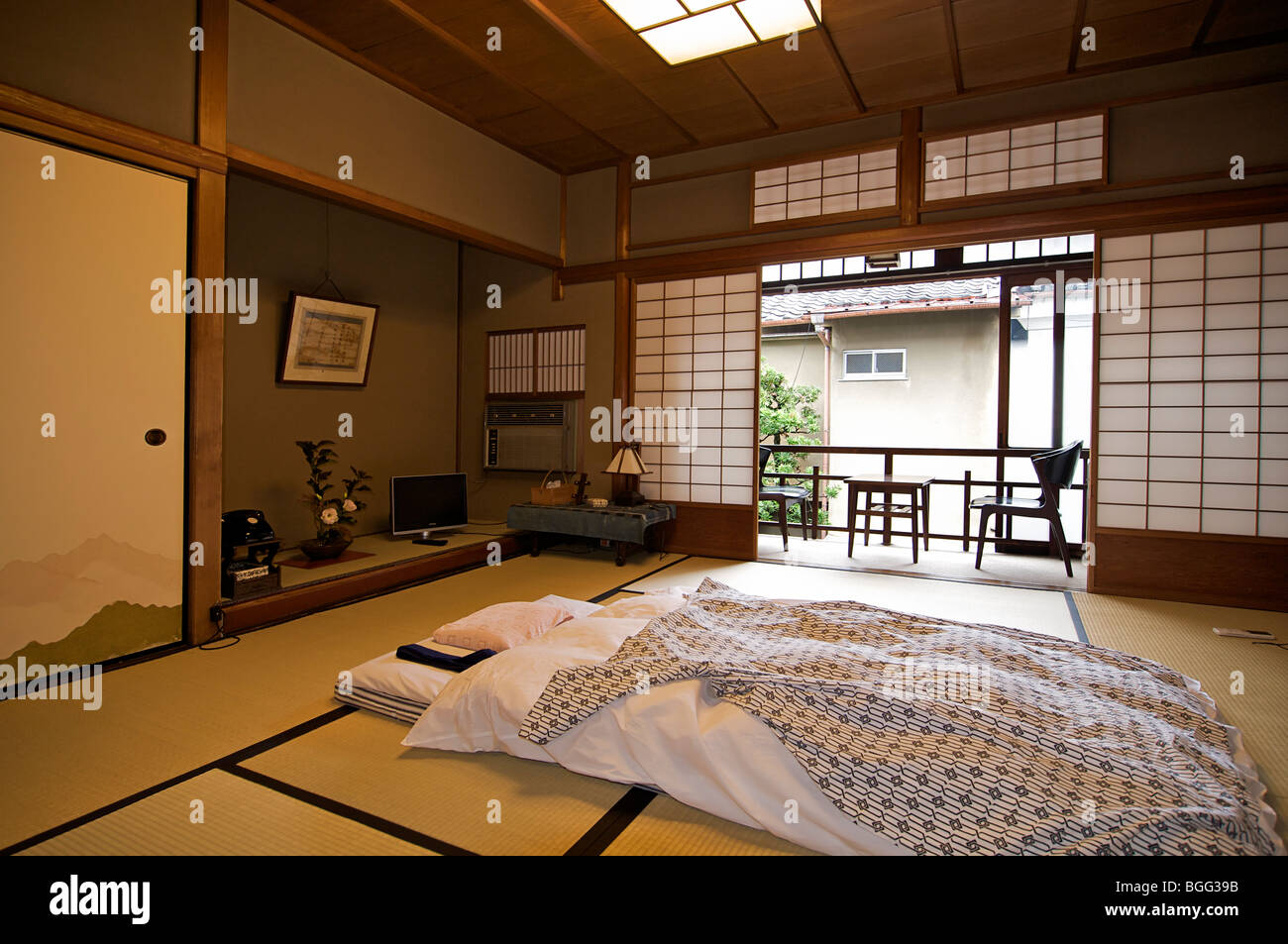 Fashion Inspired Guest Room: Ishihara Ryokan. Kyoto, Japan. Traditional Japanese Style