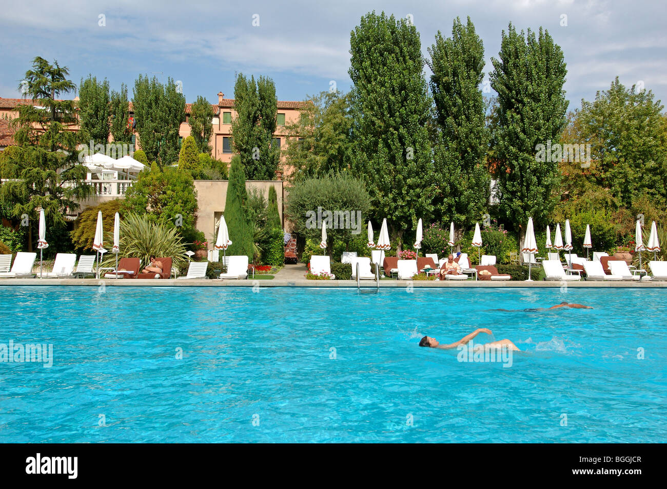 Swimming pool of a hotel venice italy stock photo royalty free image 27410567 alamy for Hotels in bologna italy with swimming pool