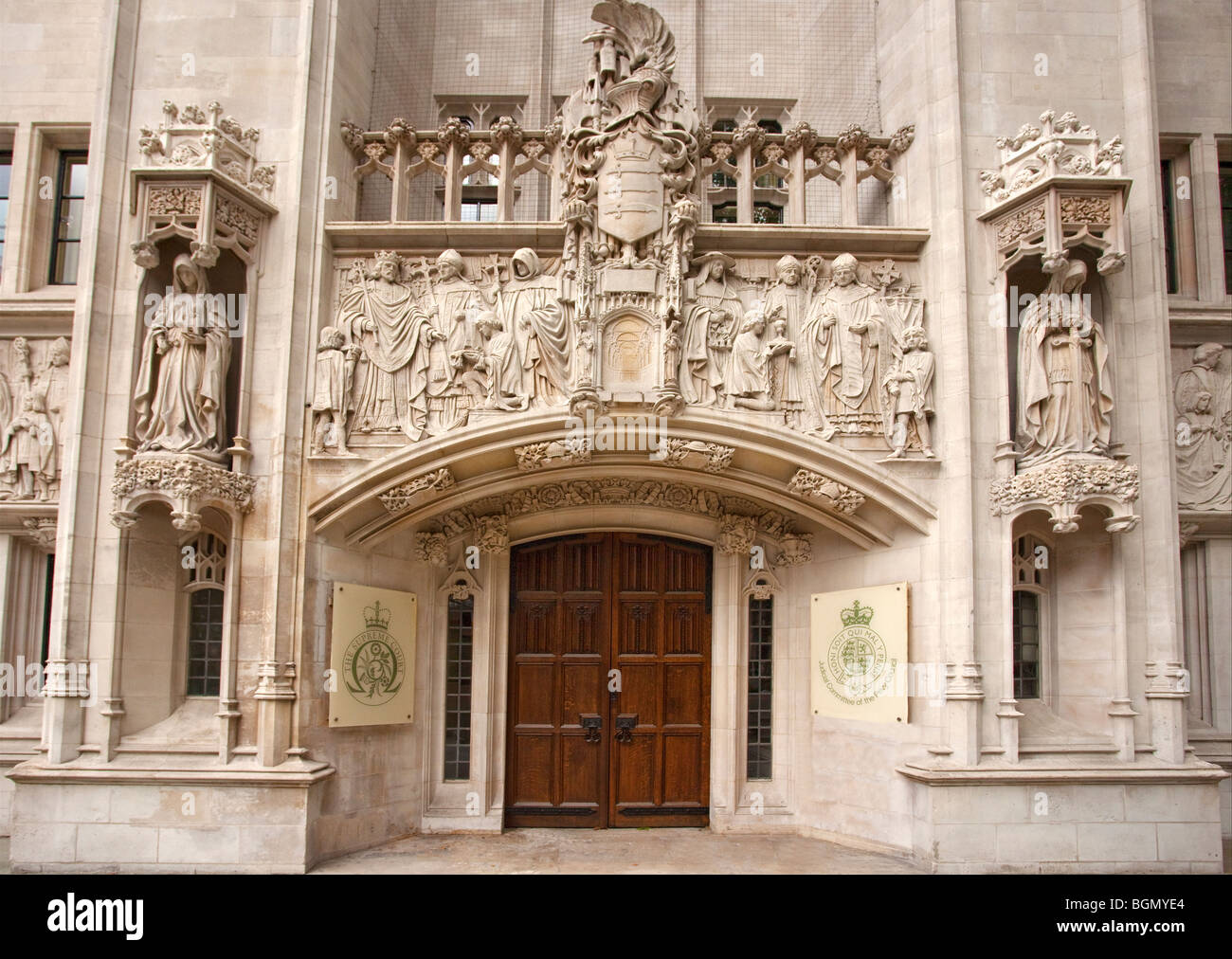 disadvantages of the supreme court in u k The united states supreme court system is the only one that can't be abolished according to the constitution of the united states other court systems within the united states includes the us court of appeals.