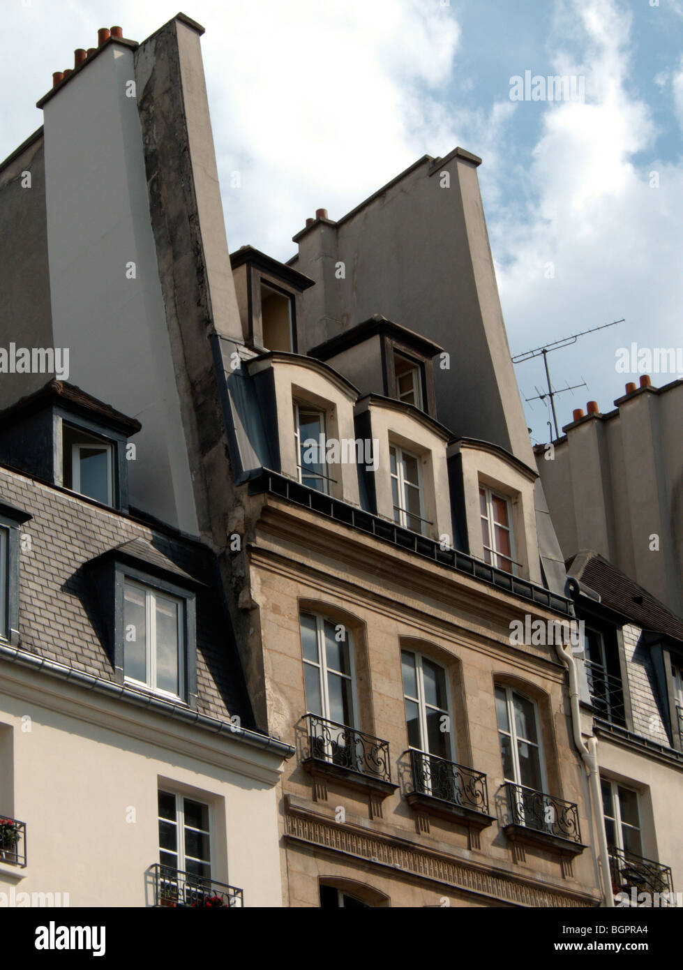 French mansard roof and tall chimneys beaubourg paris for Mansard style roof