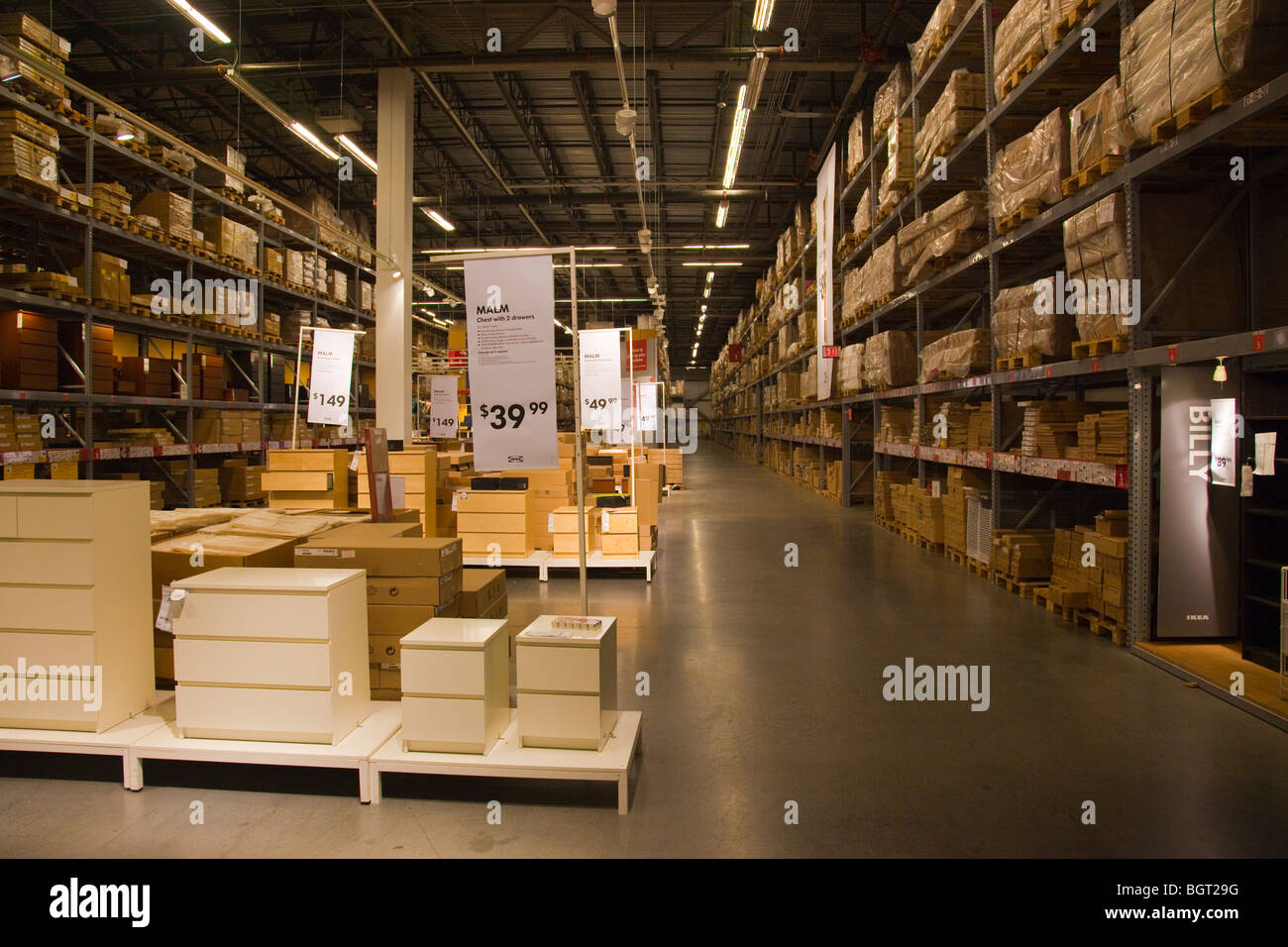 Warehouse area at the ikea store in red hook brooklyn new for Ikea new york city