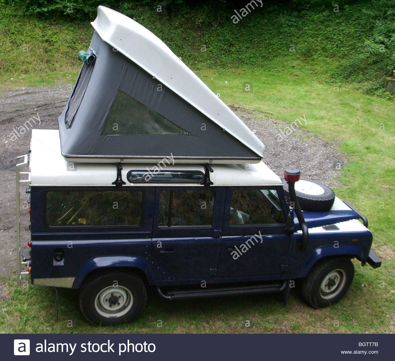 Land Rover Defender with roof tent rooftop tents c&ing c& 4x4 Germany & Land Rover Defender with roof tent rooftop tents camping camp 4x4 ...