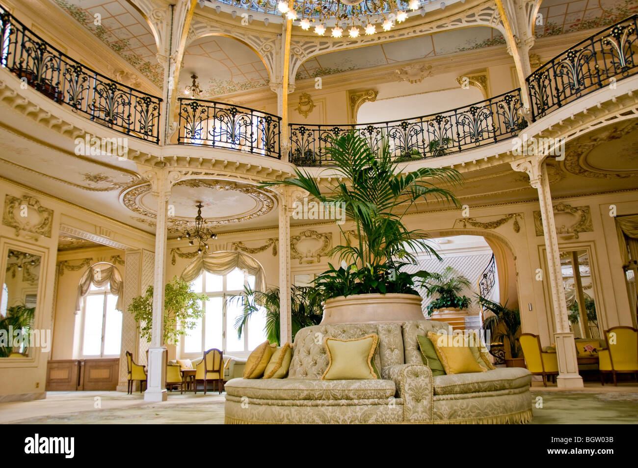 Monte carlo monaco luxury travel hermitage hotel for Eifel design hotel