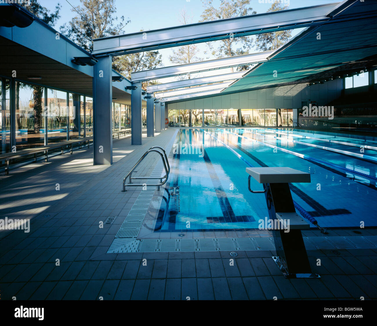 Piscina Fondo D 39 En Peixo Morning Interior View Of Swimming Pool Stock Photo Royalty Free Image