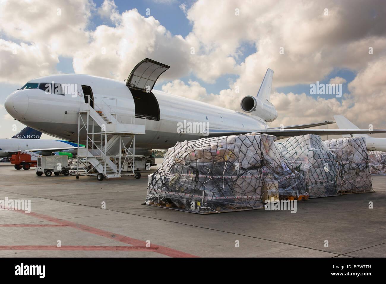 Cargo Plane Stock Photos & Cargo Plane Stock Images - Alamy