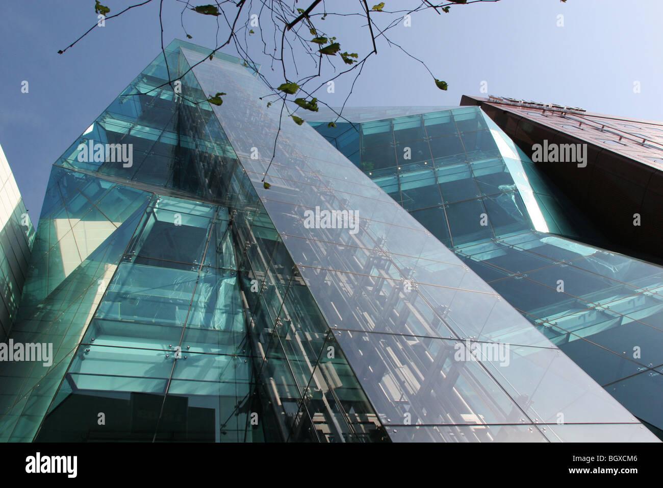 Audi forum tokyo architecture