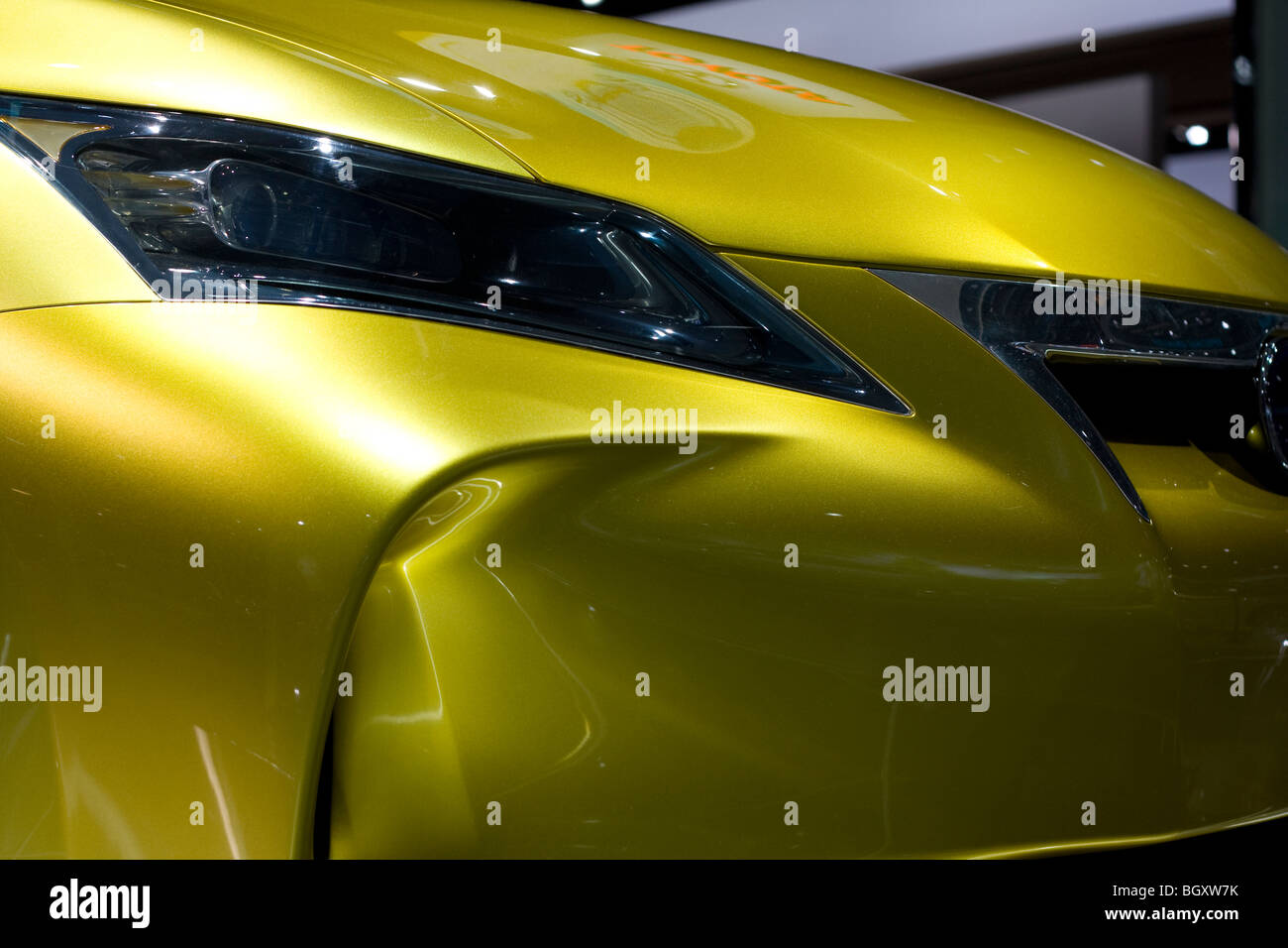 http://c8.alamy.com/comp/BGXW7K/2009-2010-lexus-lf-ch-concept-at-2010-north-american-international-BGXW7K.jpg