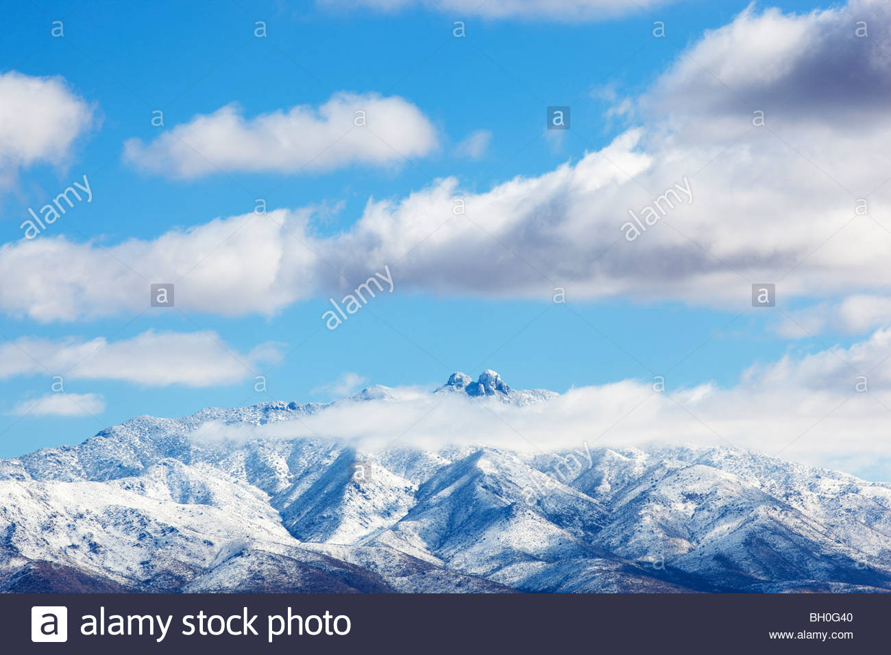 dos-cabezas-mountains-snow-low-clouds-southeastern-arizona-BH0G40.jpg