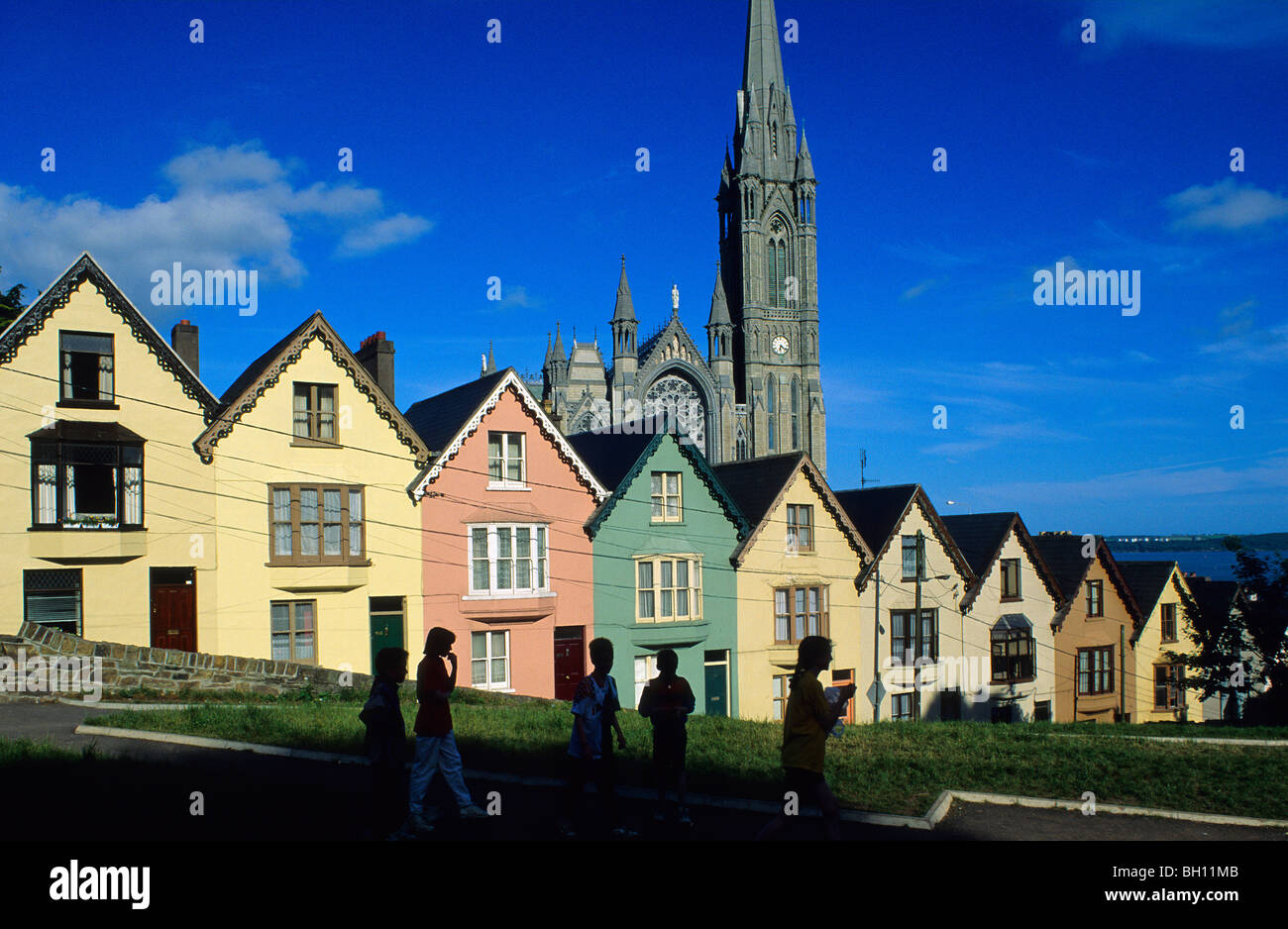 colourful-facades-of-houses-at-the-old-t