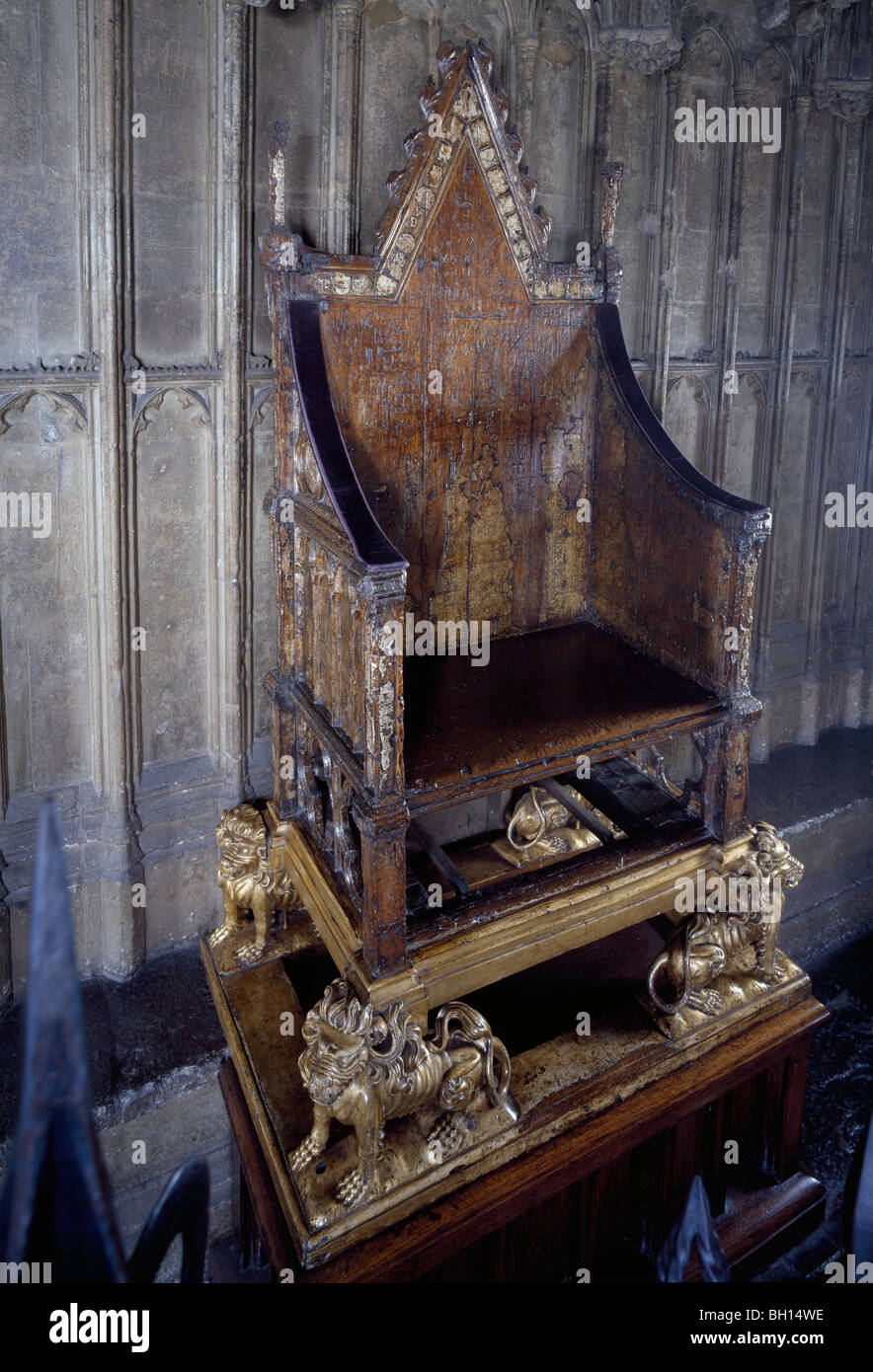 The Stone Of Scone Coronation Chair Westminster Abbey ... |Westminster Abbey Throne