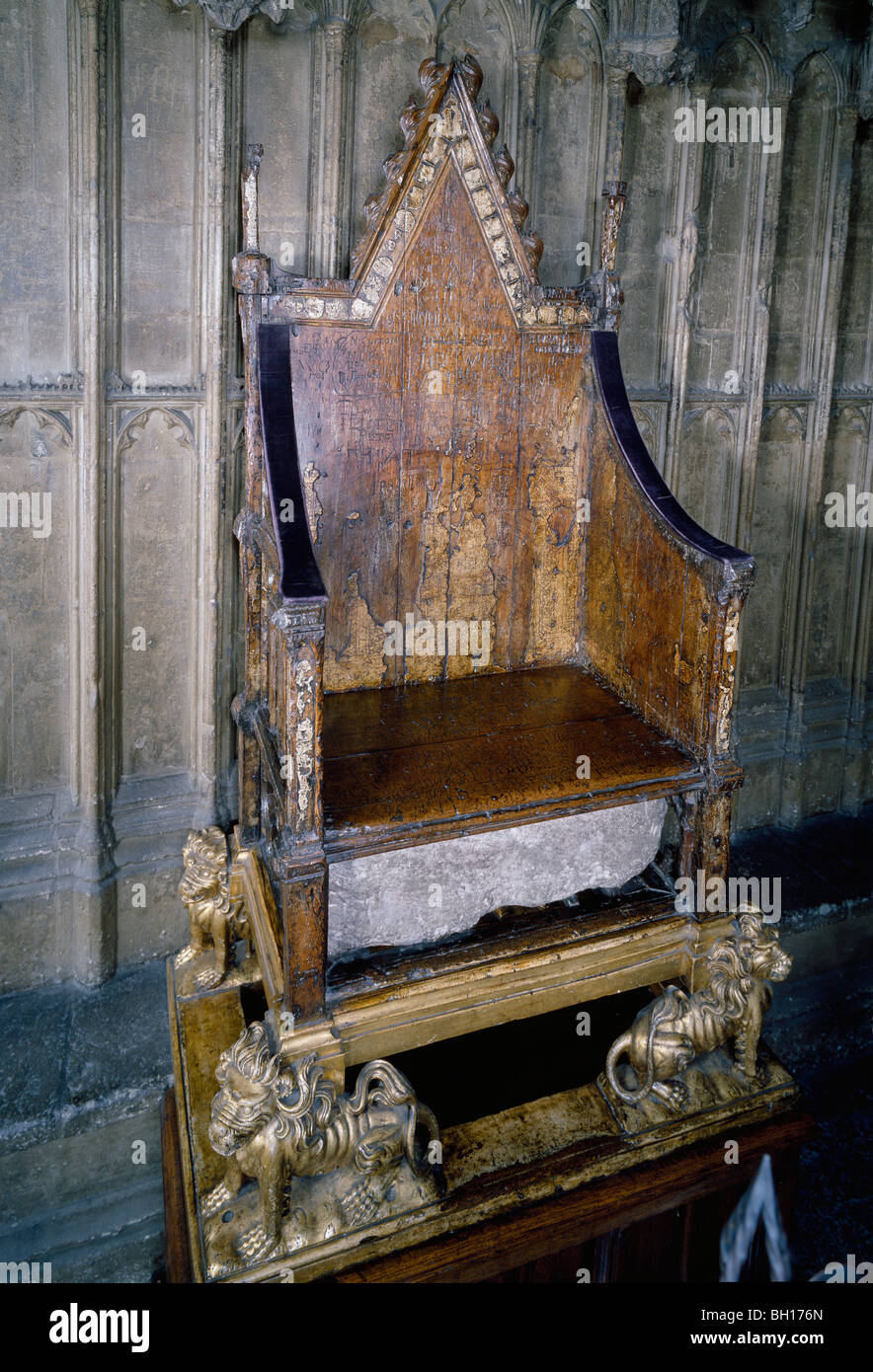 The Coronation Chair with the Stone of Scone Westminster ... |Westminster Abbey Throne