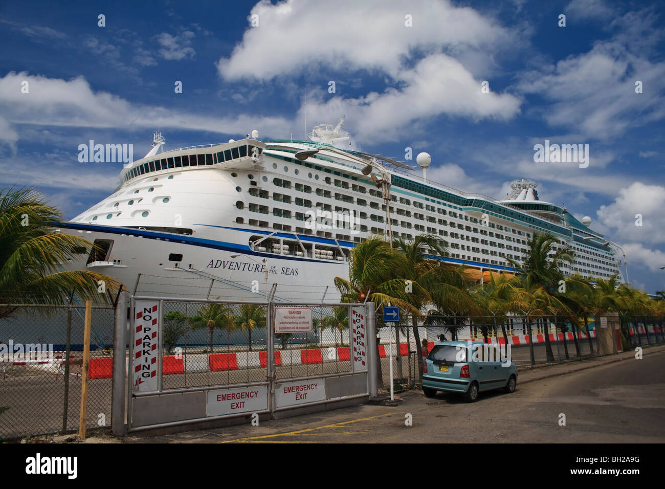 Royal Caribbean Adventure Of The Seas Cruiseship Docked At Port In - Aruba tours for cruise ship passengers