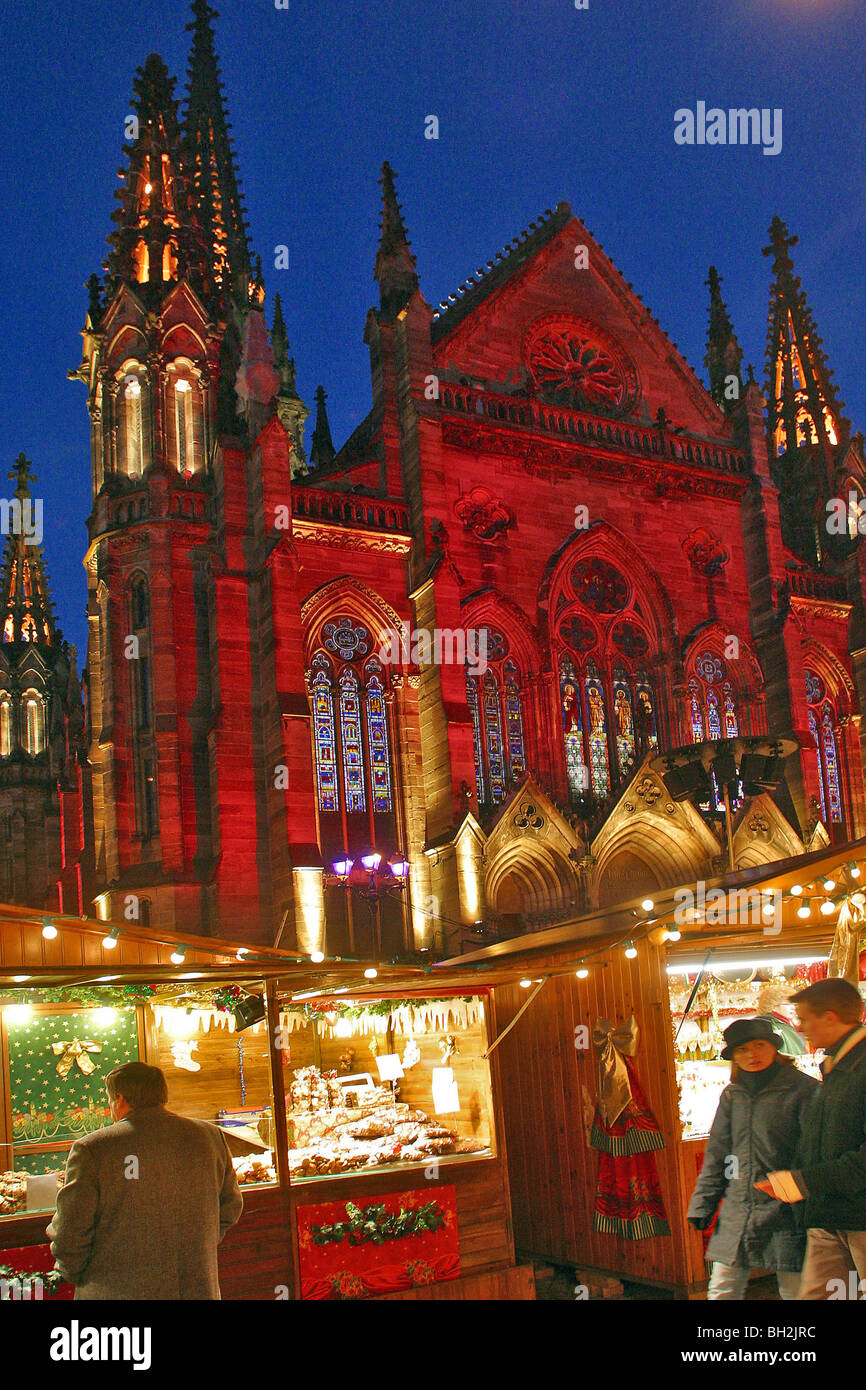 Christmas market in front of the saint etienne protestant - Boutique free mulhouse ...