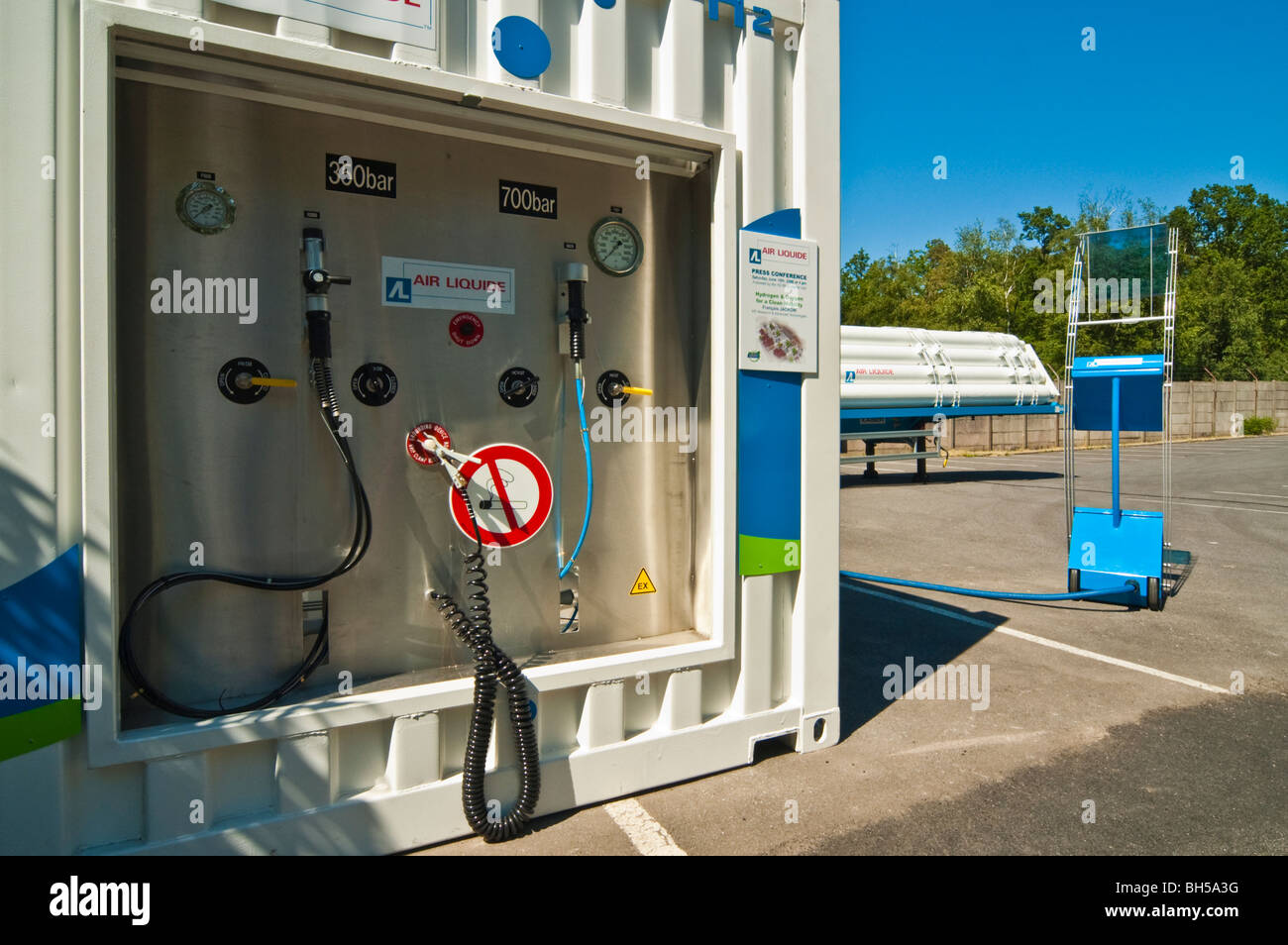 Mobile hydrogen refueling station from Air Liquide at Michelin