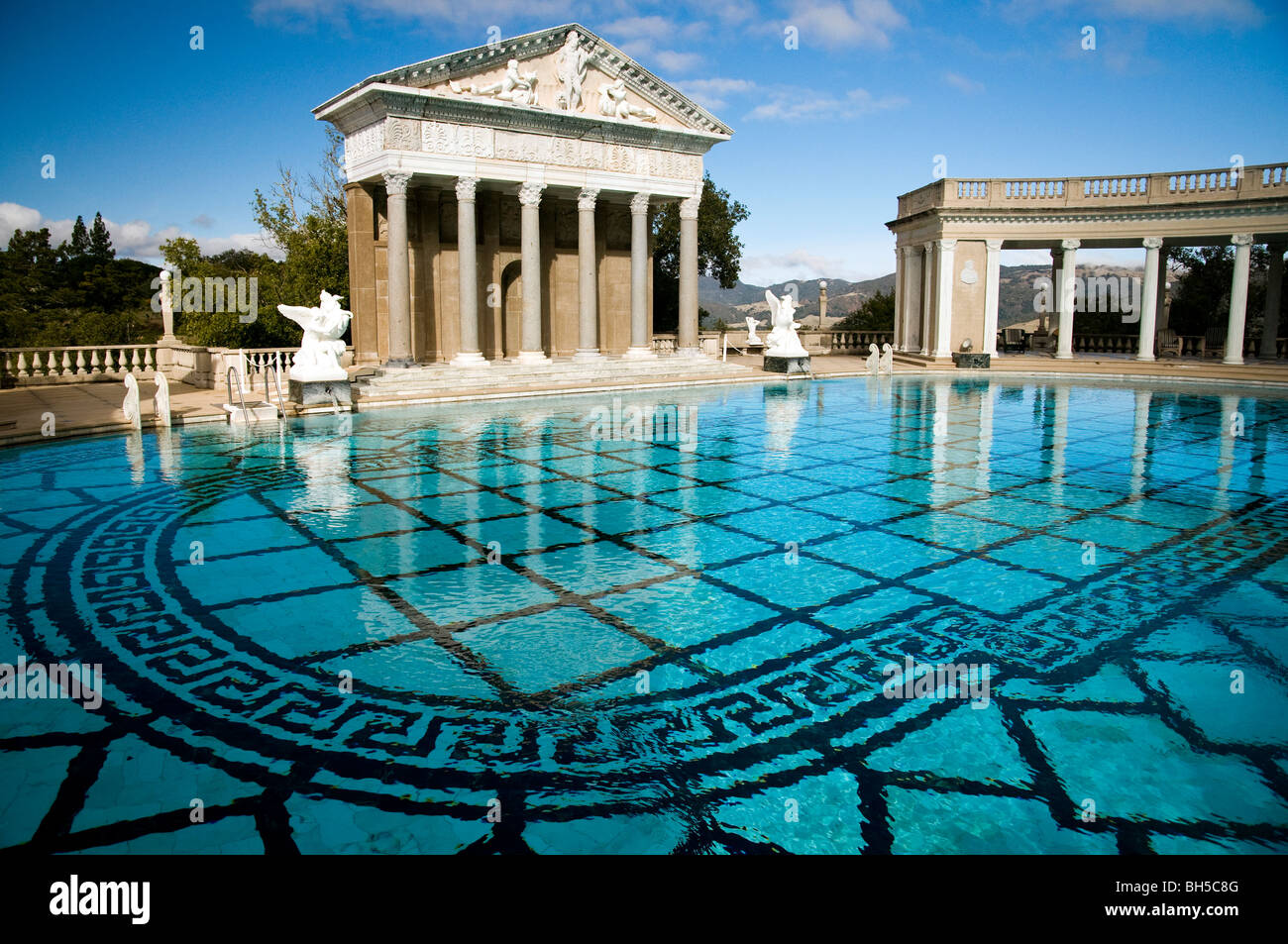 The neptune pool hearst castle san simeon california - Is there a swimming pool in buckingham palace ...