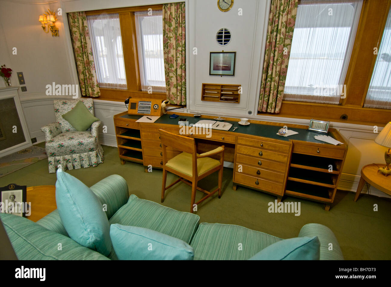 The Queen S Office Aboard The Royal Yacht Britannia Berthed At Ocean Stock Photo Royalty Free