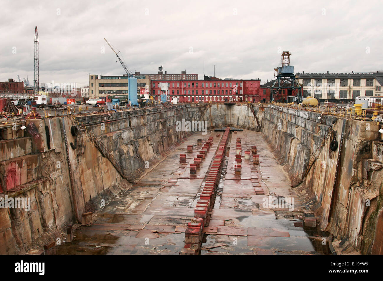 new york shipyard ikea brooklyn ny empty dry dock stock photo royalty free image 27878965 alamy. Black Bedroom Furniture Sets. Home Design Ideas