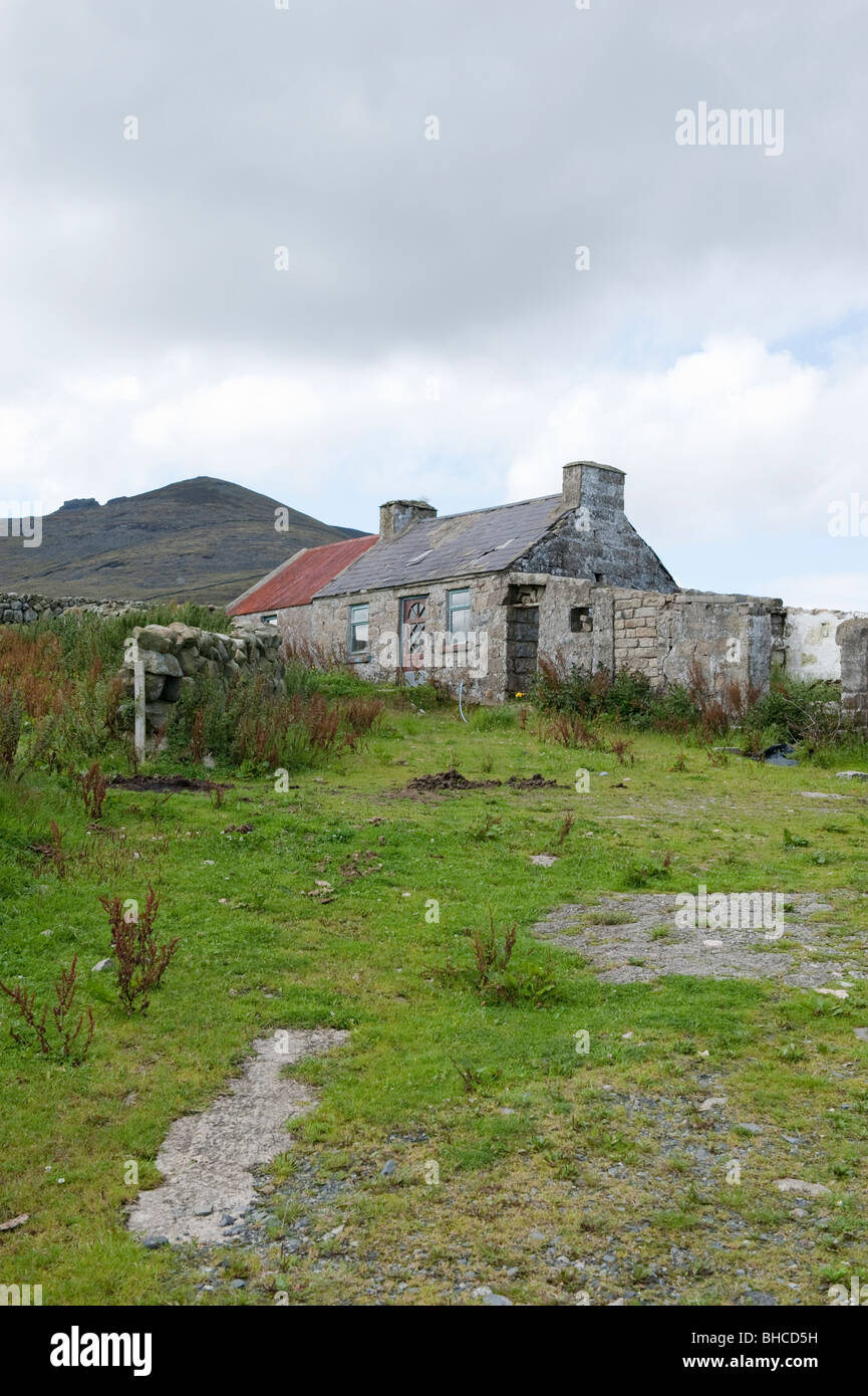 Old derelict cottage in the mourne mountains county for Cottage in the mountains
