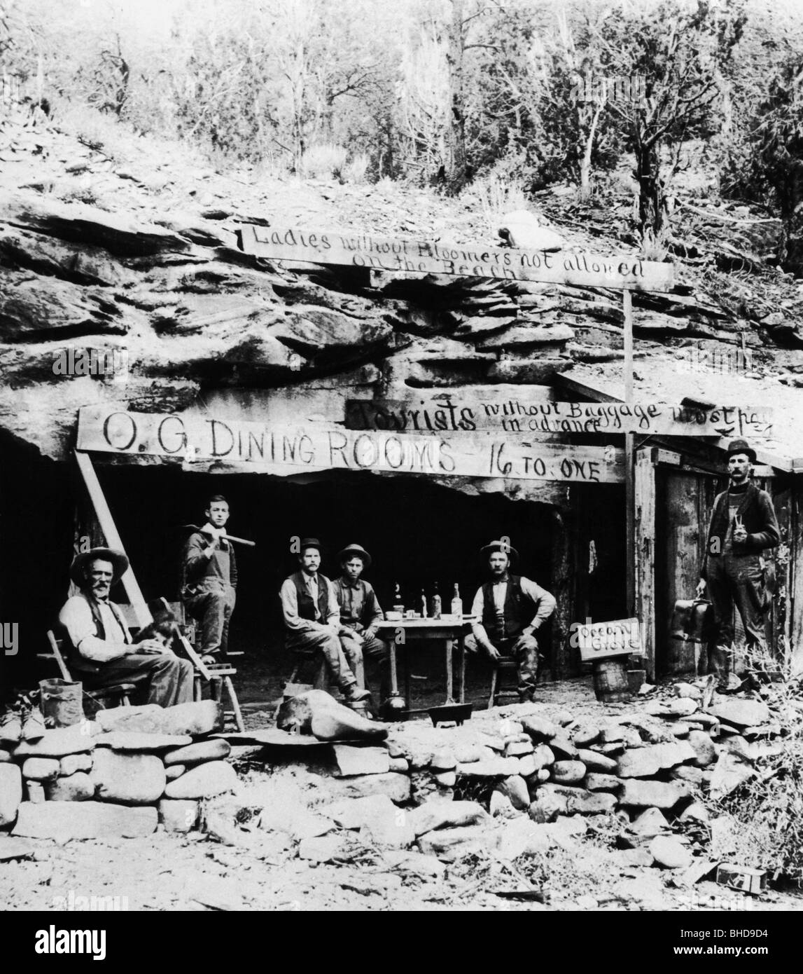 Geography / Travel, USA Gold Rush, Gold Diggers In An