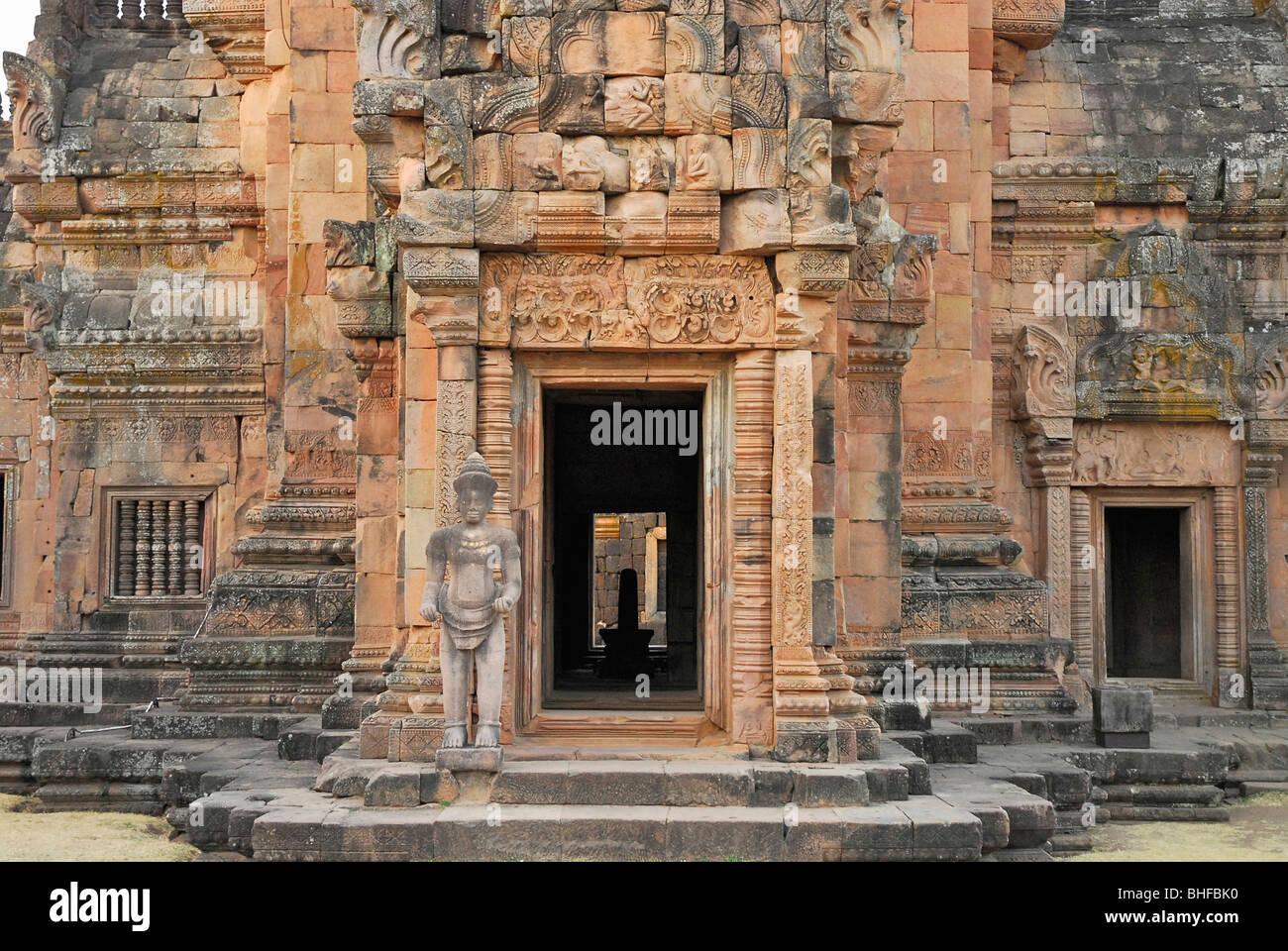 Shivas Lingam in the main tempel, Prasat Hin Khao Phanom ...