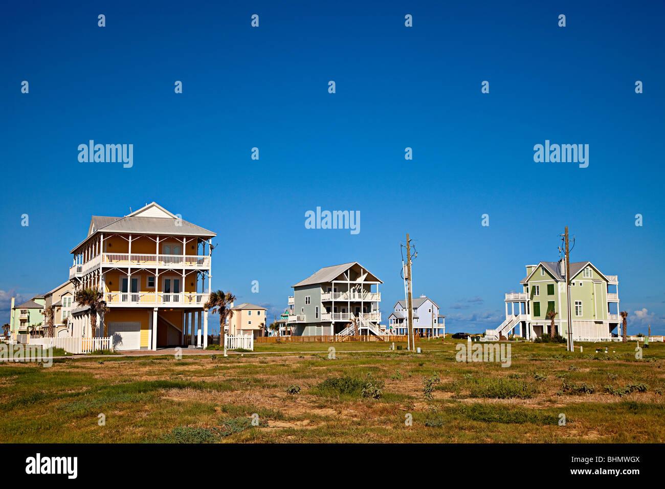 Houses on stilts in texas house plan 2017 for Beach house plans usa